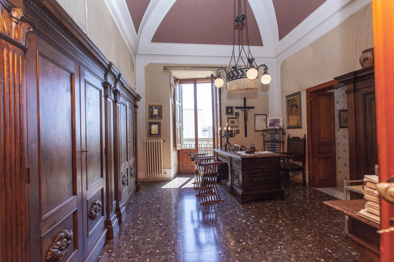 Sale Building - Oria - Italy