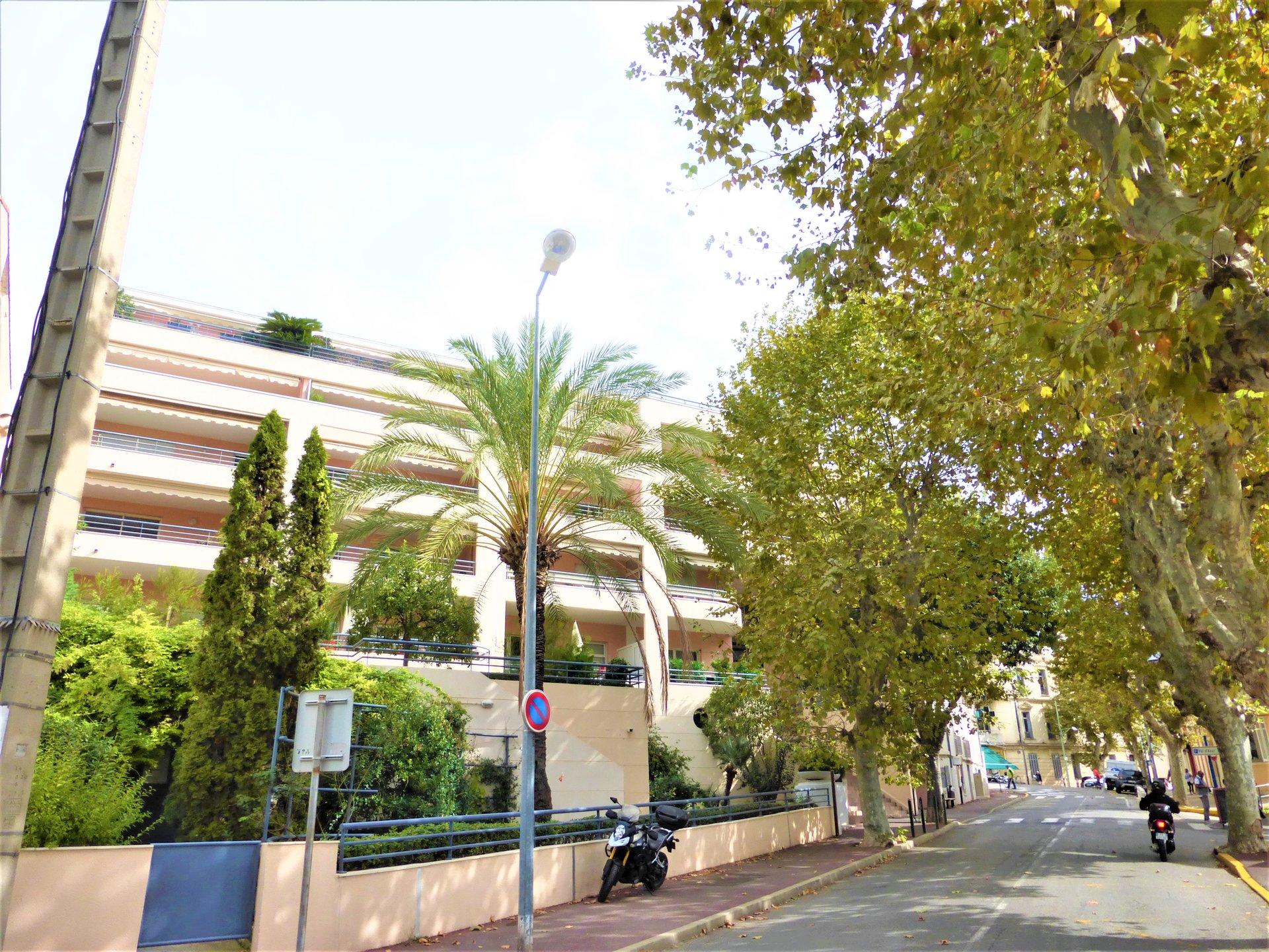 Sale Apartment - Le Cannet Vieux Cannet