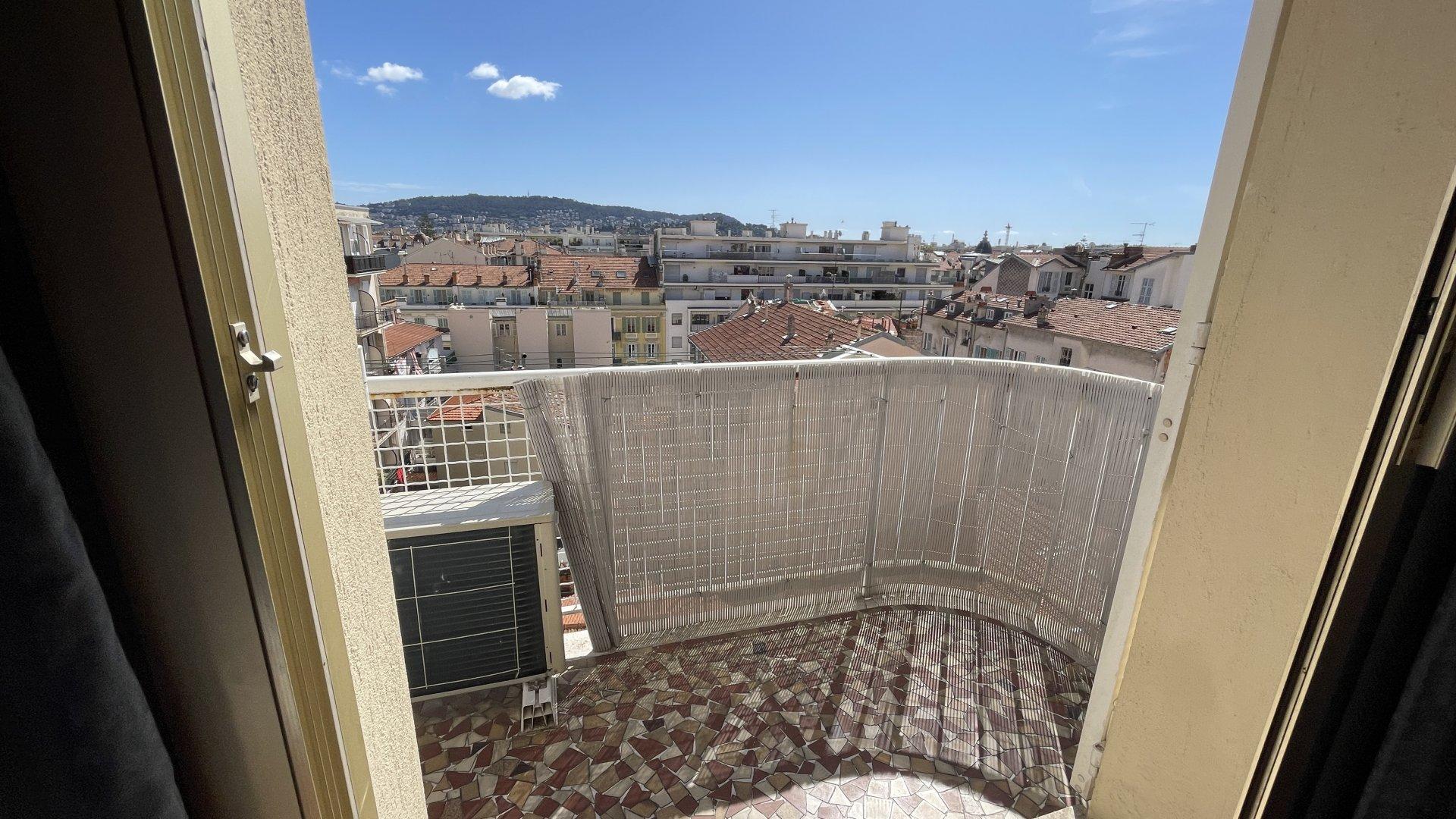 Location 2 pièces meublé Nice centre