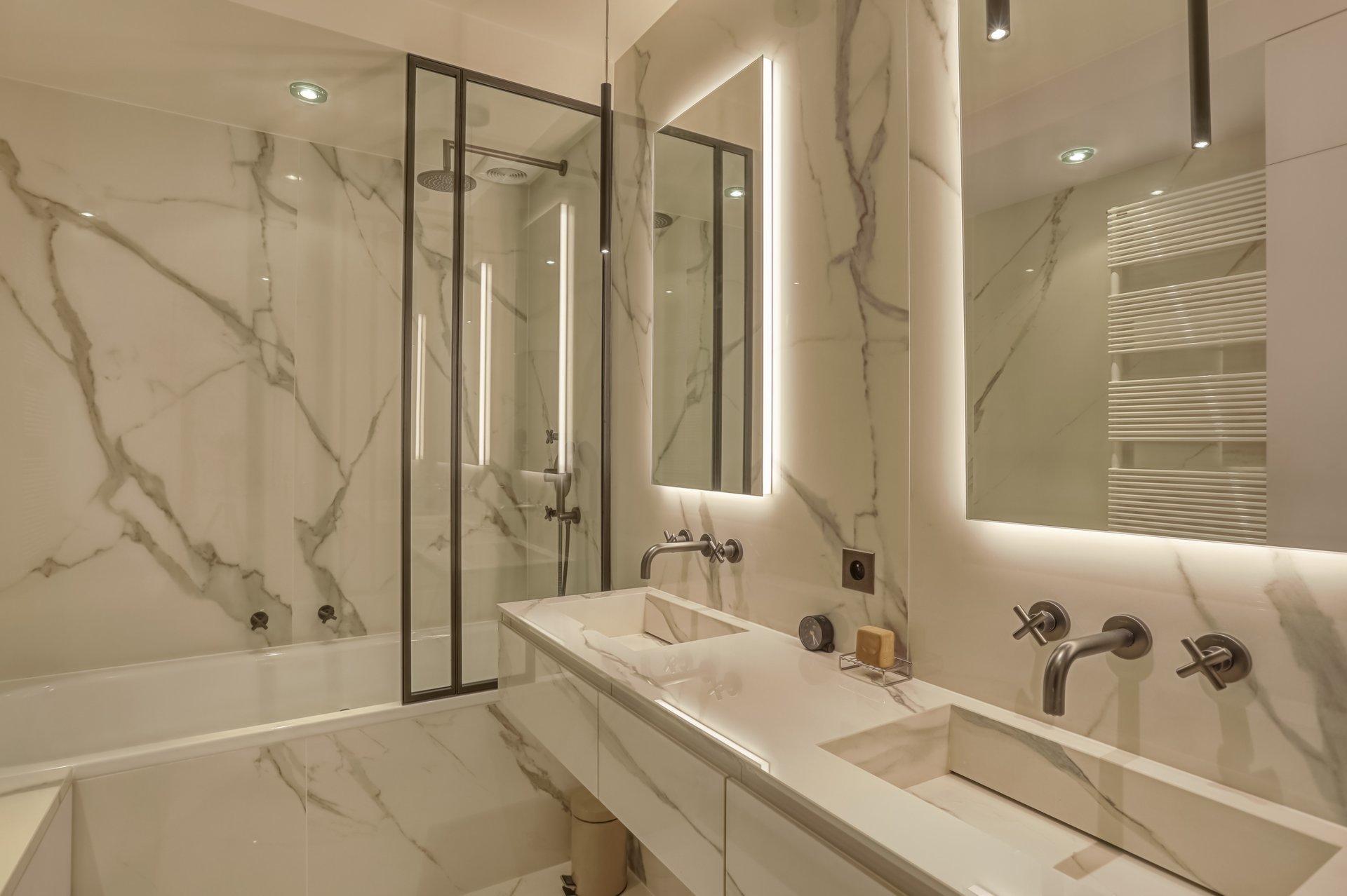 Sale Apartment - Paris 10th (Paris 10ème) Porte-Saint-Denis