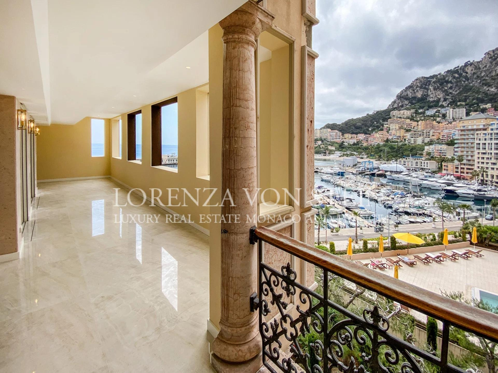 Seaside Plaza - Four Bedroom Apartment - SOLD