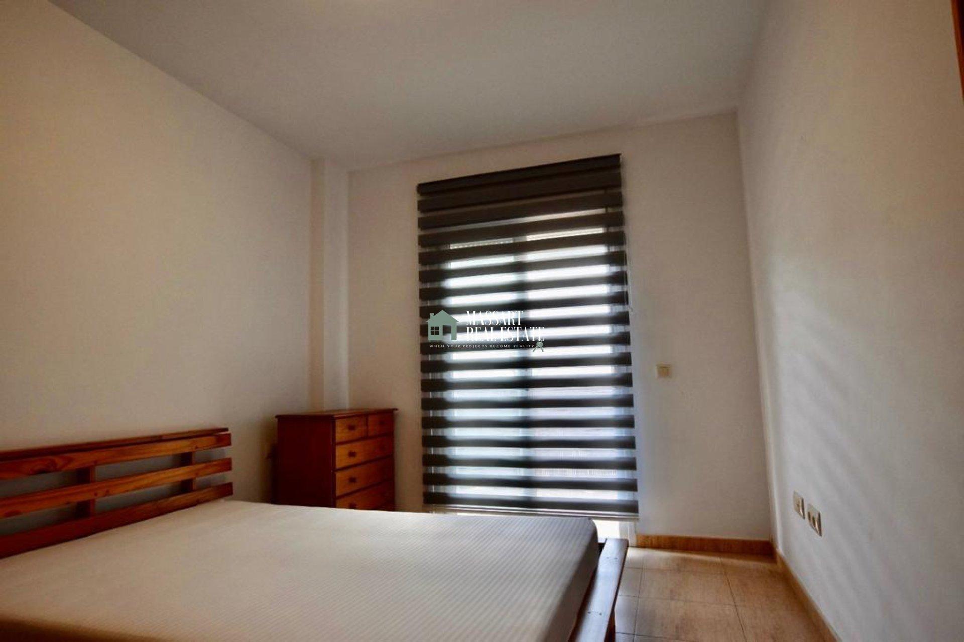 Zu vermieten im Zentrum von Adeje, in der beliebten Gegend von El Galeón, eine helle Wohnung von ca. 60 m2, die sich durch zwei wunderschöne Terrassen auszeichnet.