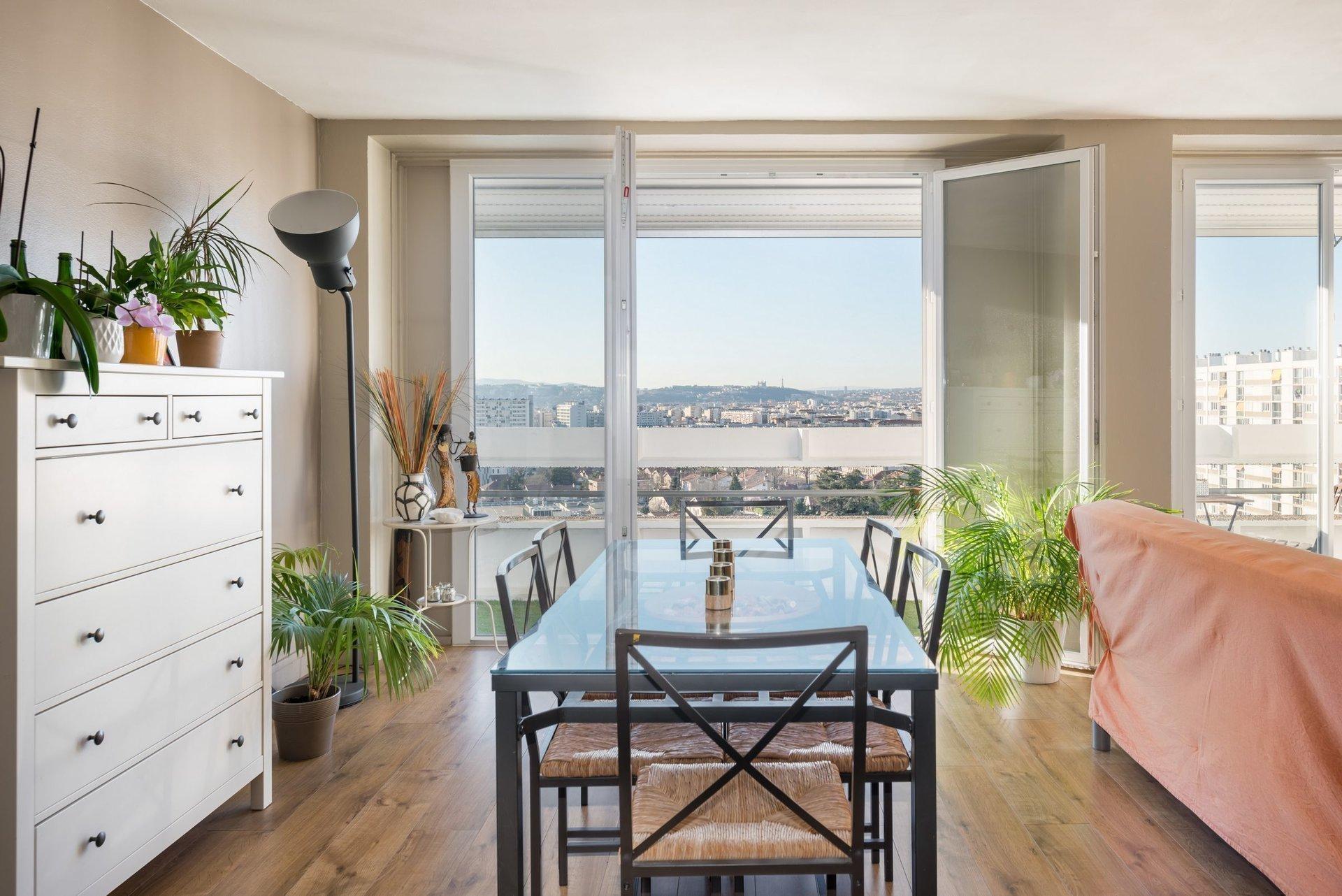 Appartement vue imprenable - Limite Lyon 8ème