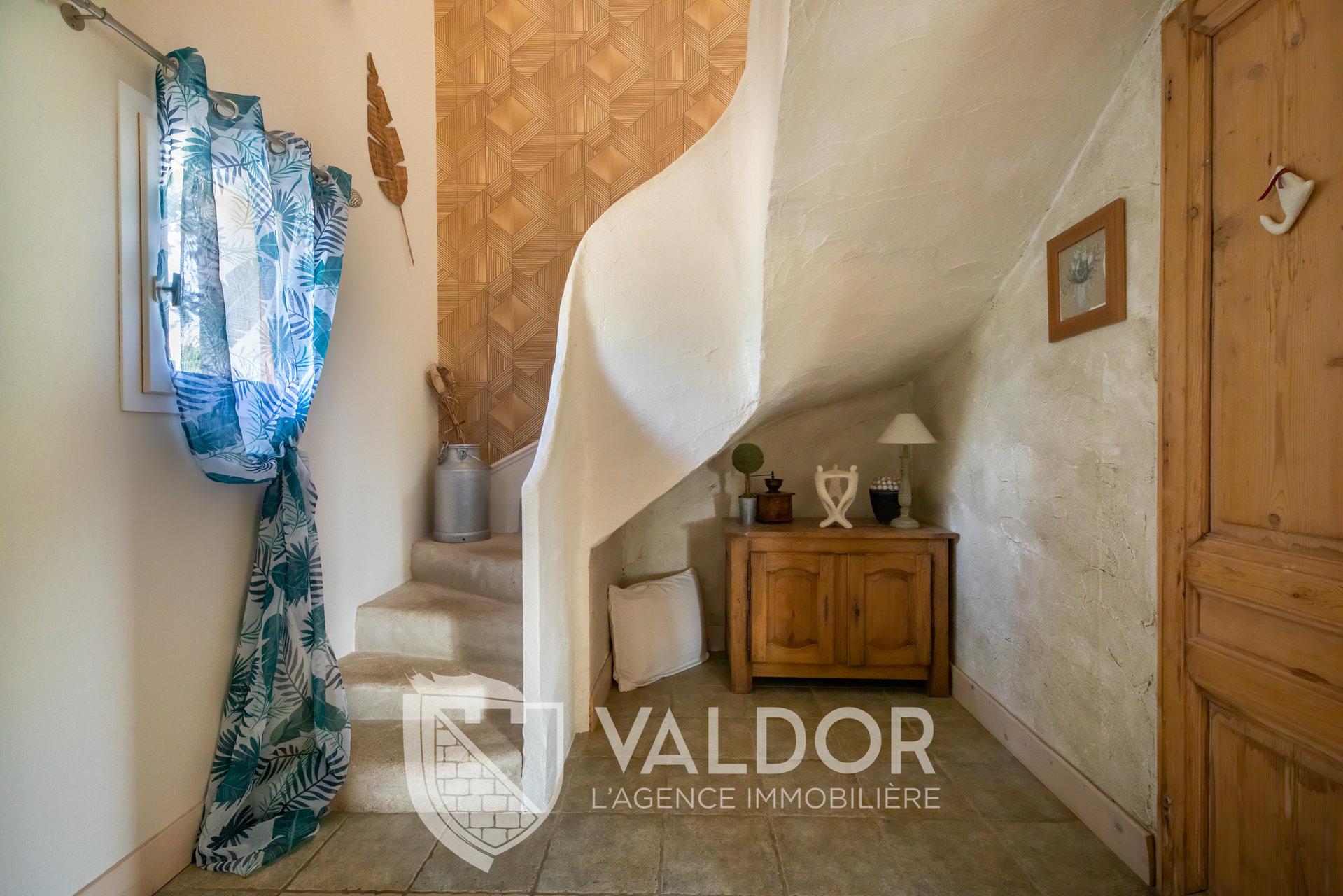 Maison aux accents provençaux - Saint Bernard.
