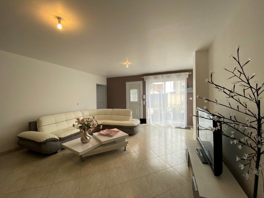 Sale Apartment - Cheptainville
