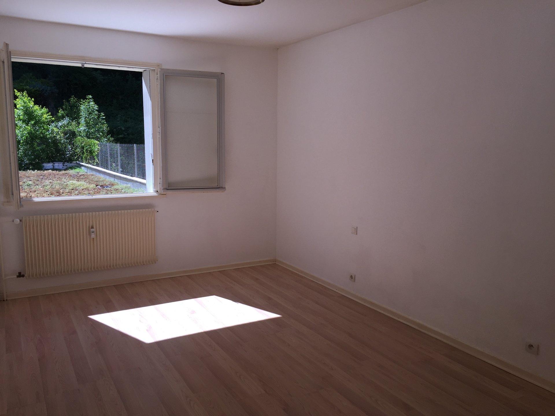 T3 de 82 m² avec  terrasse 2 garages