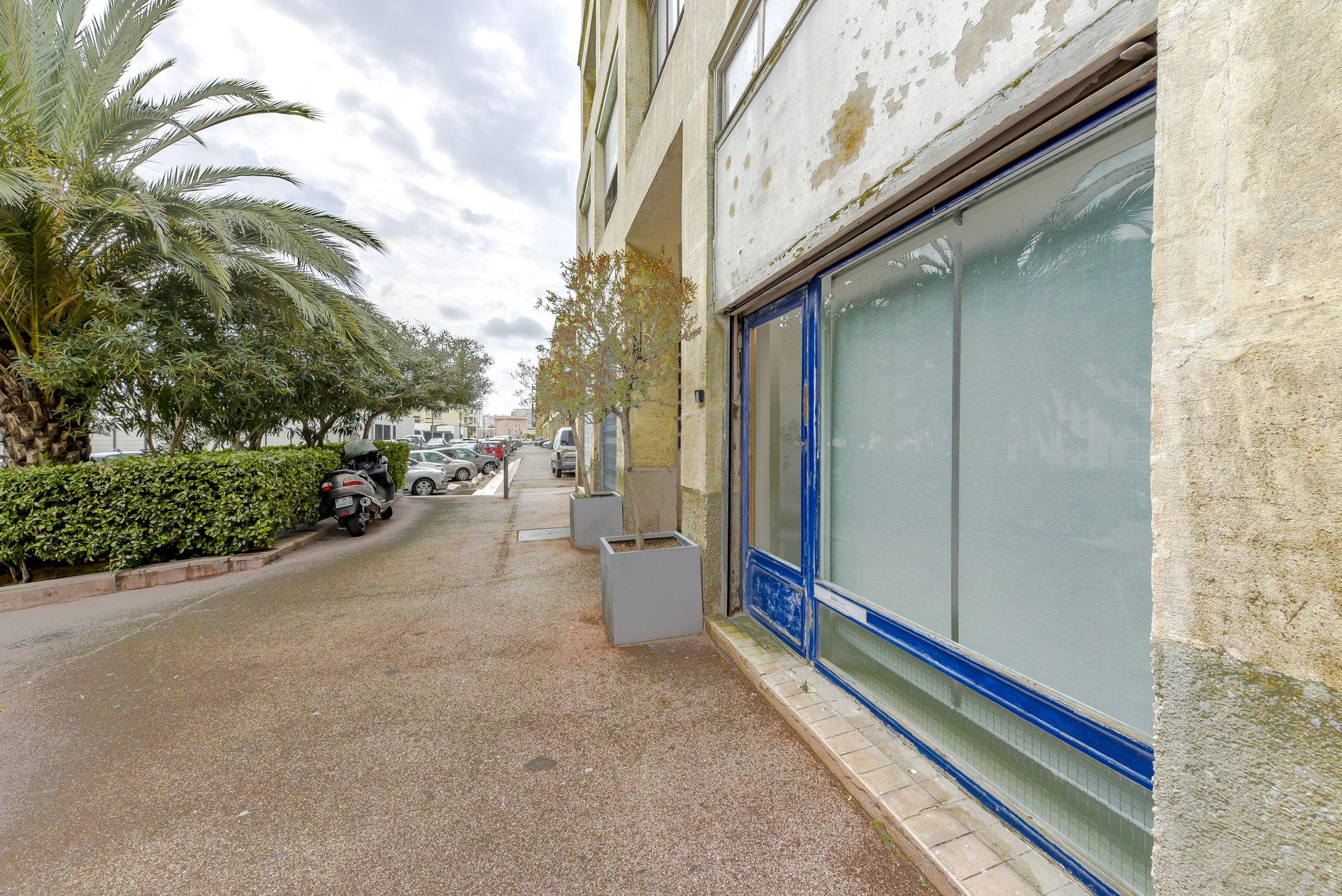 Sale Local - Marseille 2ème
