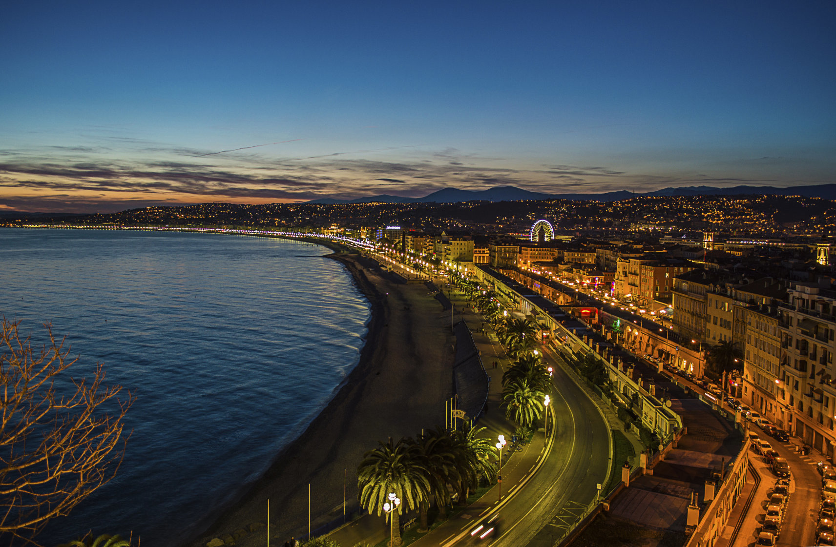 NICE - French Riviera - luxury 2 bed Apartment with sea view