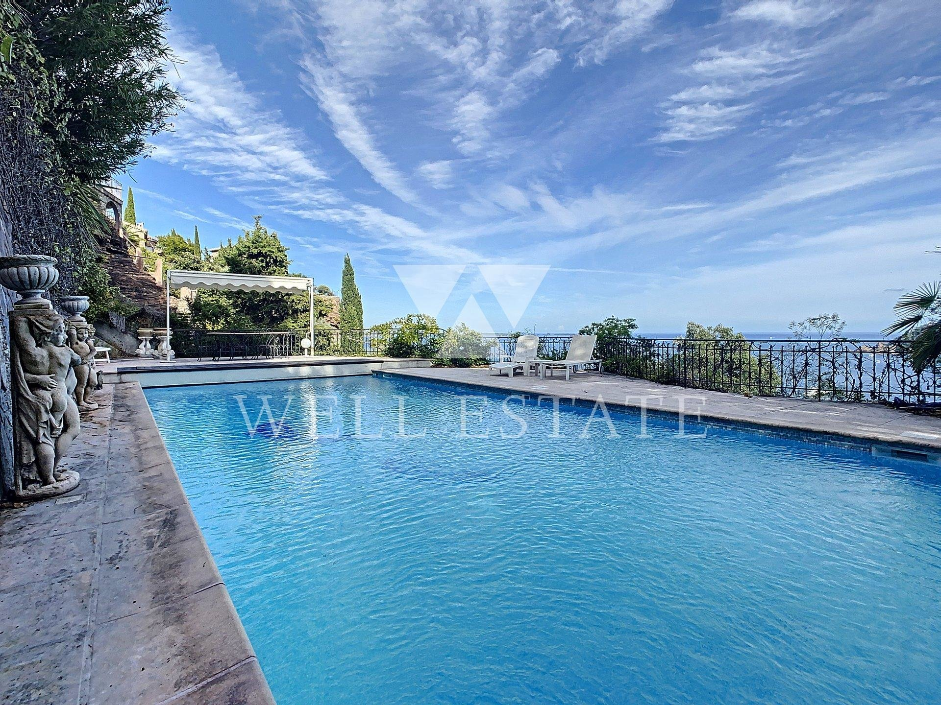 THEOULE SUR MER VILLA 225M2 4 BEDROOMS WITH SWIMMING POOL AND SEA VIEW
