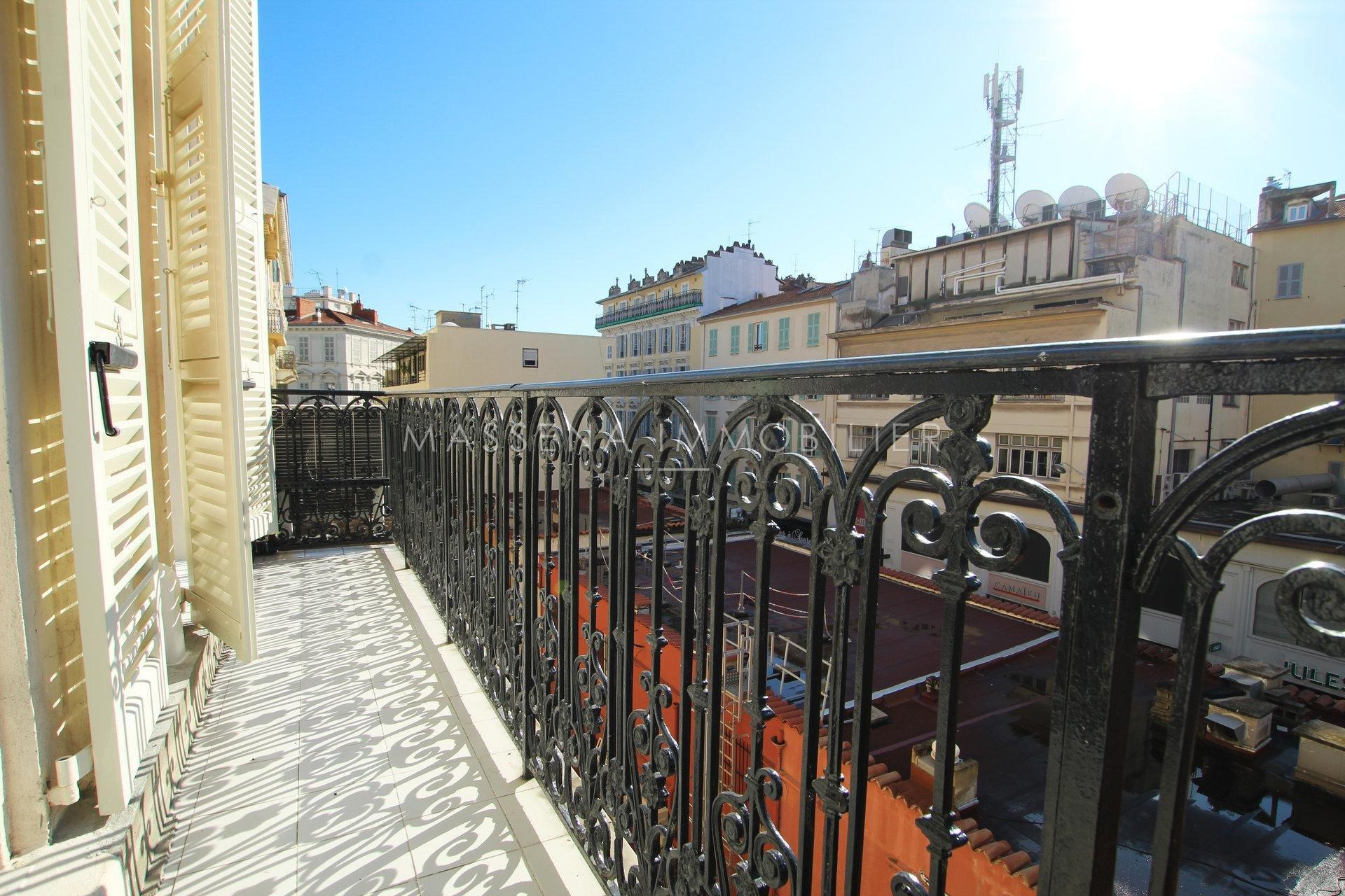 Nice Carré d'Or / Rue de la Liberté - Renovated 3 Bedroom flat with  large balcony