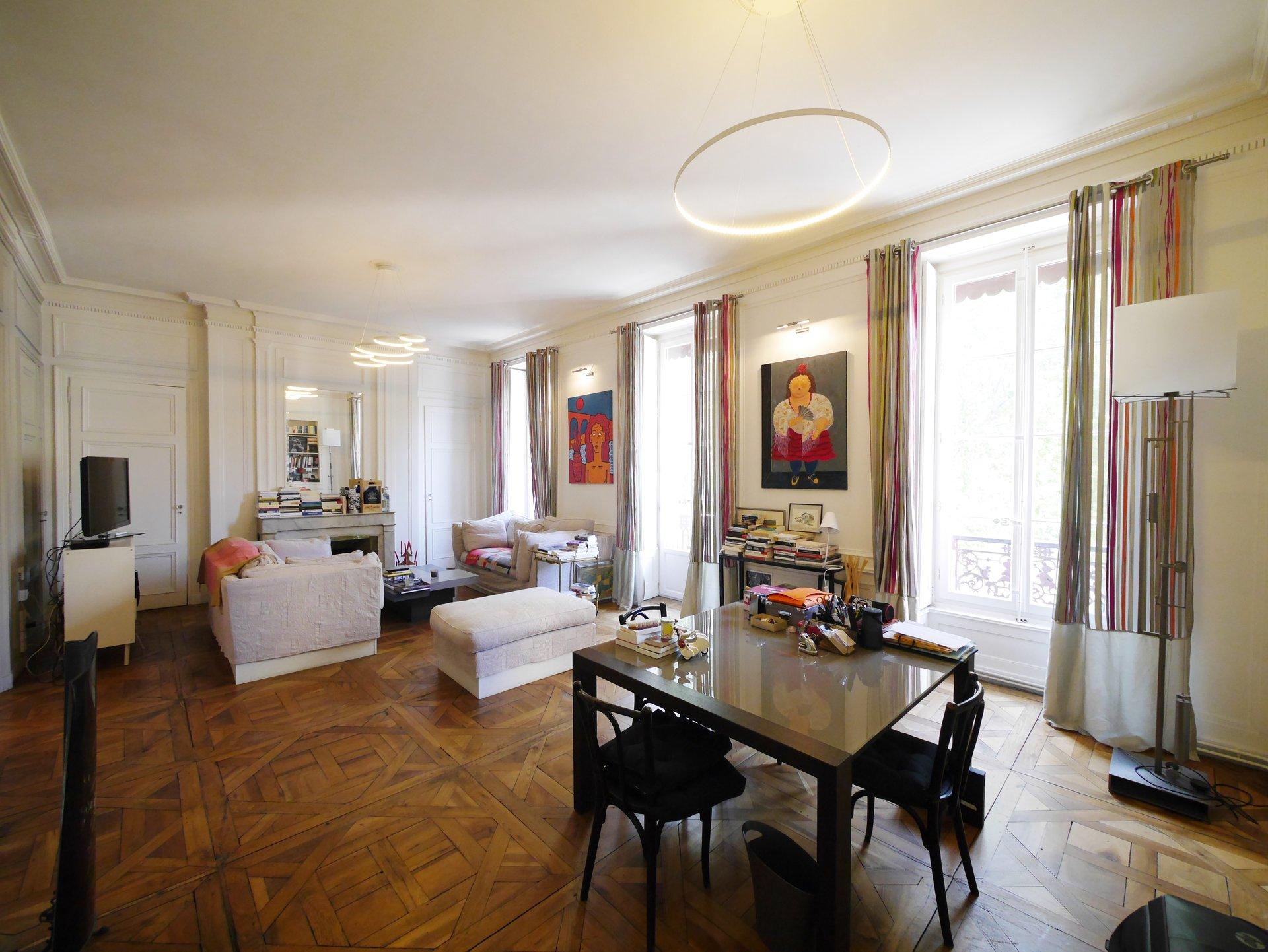 T5  de 161 m² quai Tilsitt