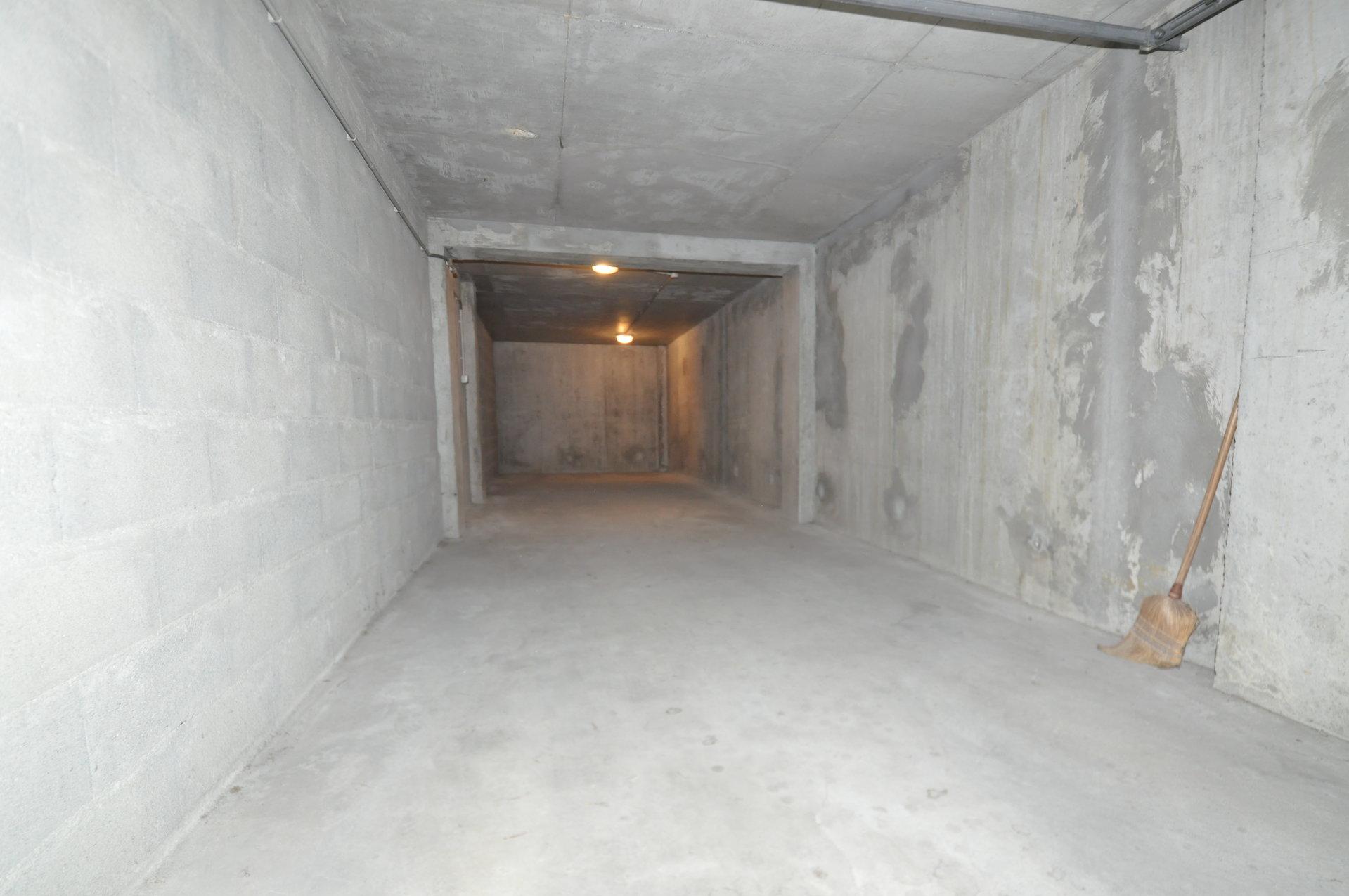 PROXIMITE GARE grand garage 32.60 m²