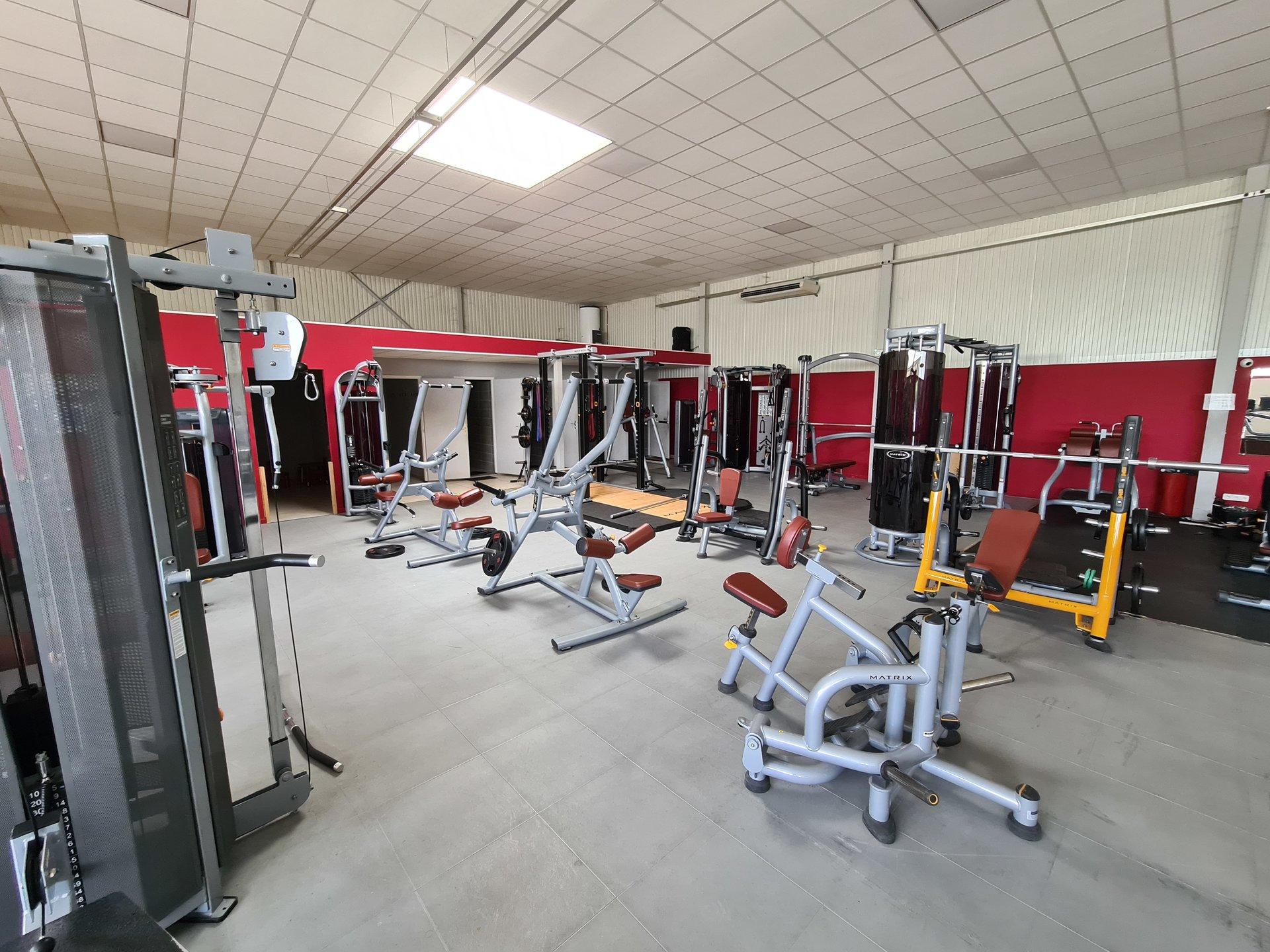 MONDRAGON, Fonds de commerce Centre de Fitness 447m².