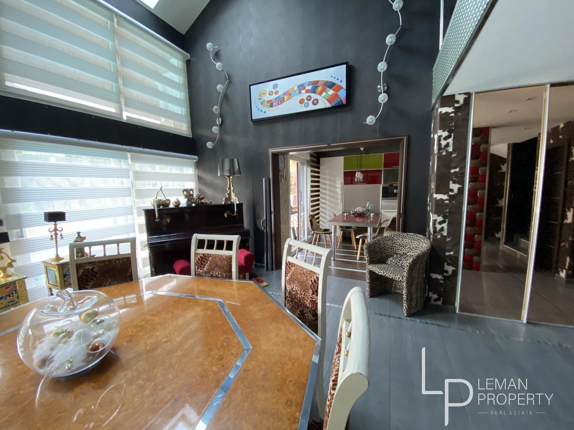 maison de 205 m2 comprenant 4 pièces