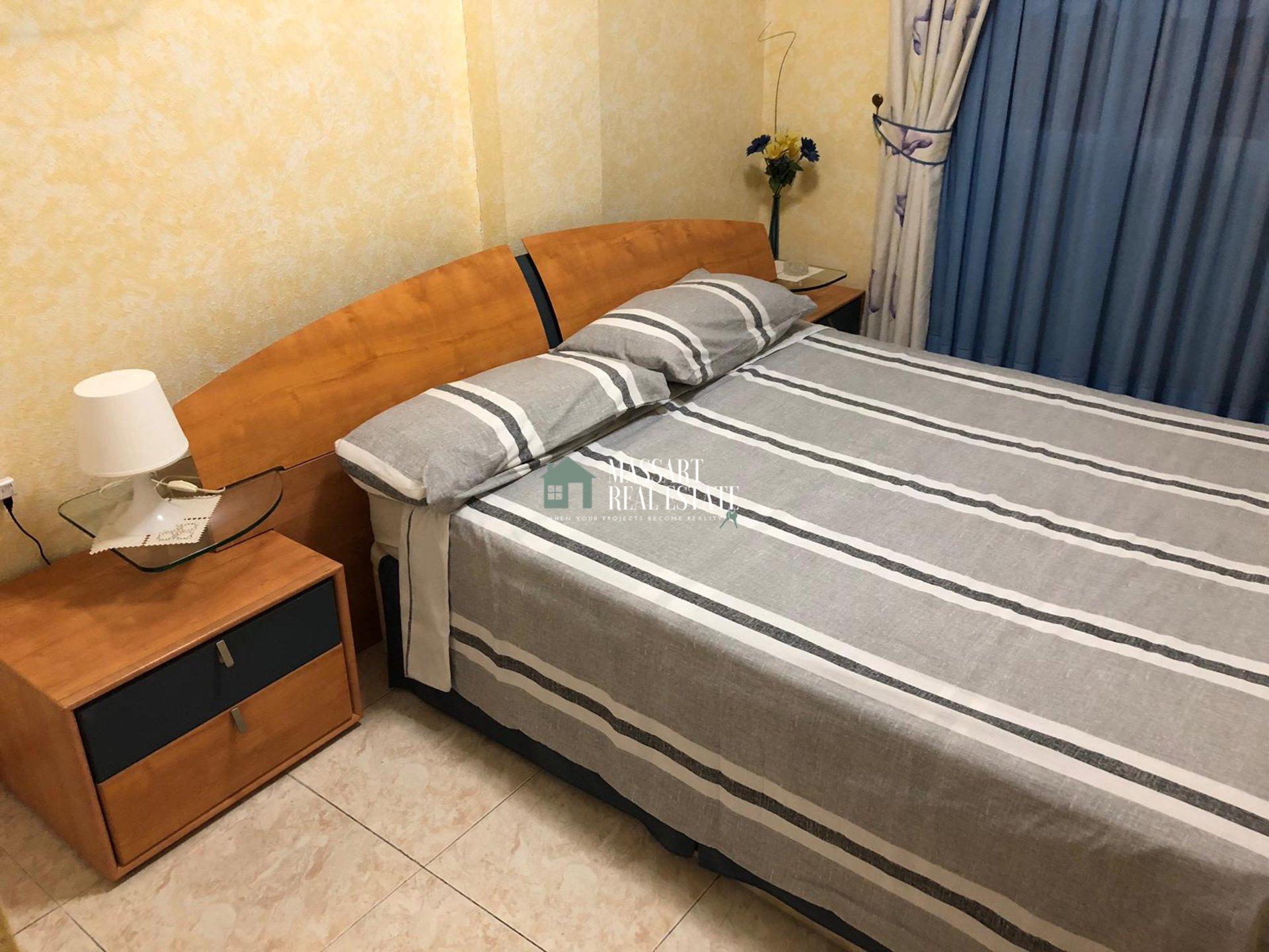 Affittasi a Torviscas Alto, nel complesso residenziale La Pineda (Costa Adeje), appartamento arredato caratterizzato dalla sua meravigliosa terrazza con vista diretta sul mare.