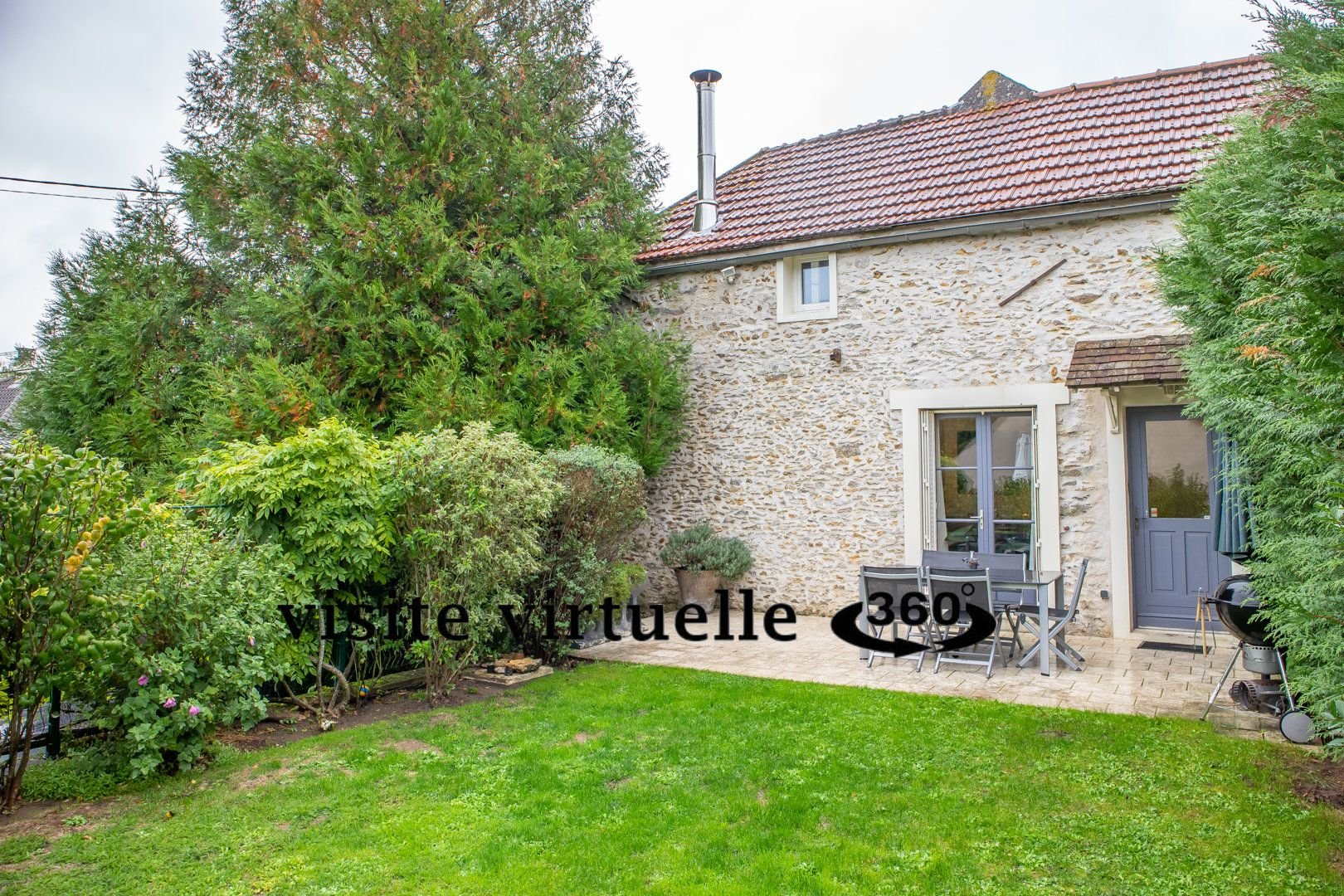 Maison rénovée centre La Queue Lez Yvelines