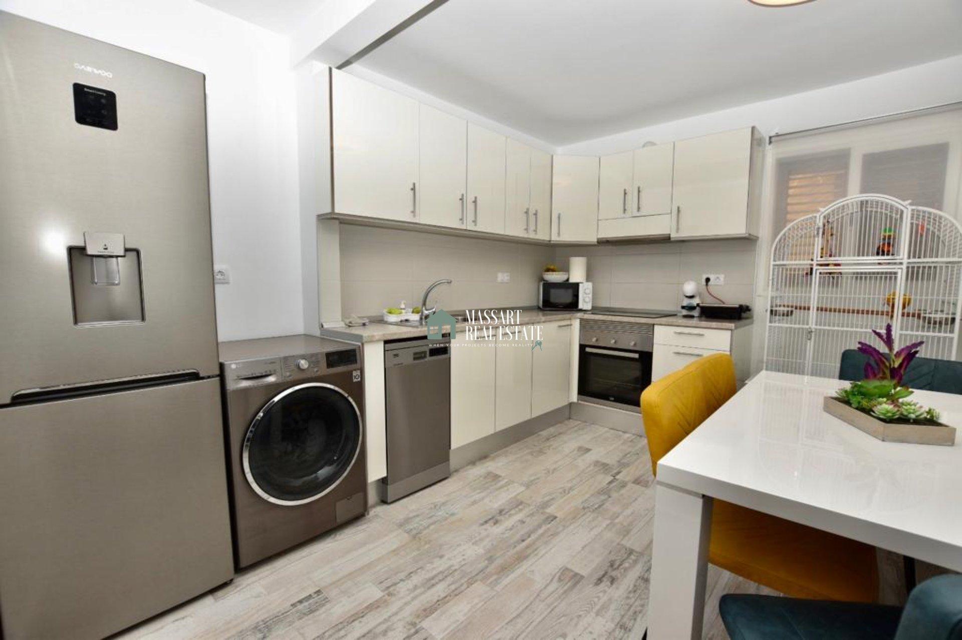 Appartement meublé de 73 m2 situé au rez-de-chaussée dans une zone centrale de Fañabé pueblo (Adeje).