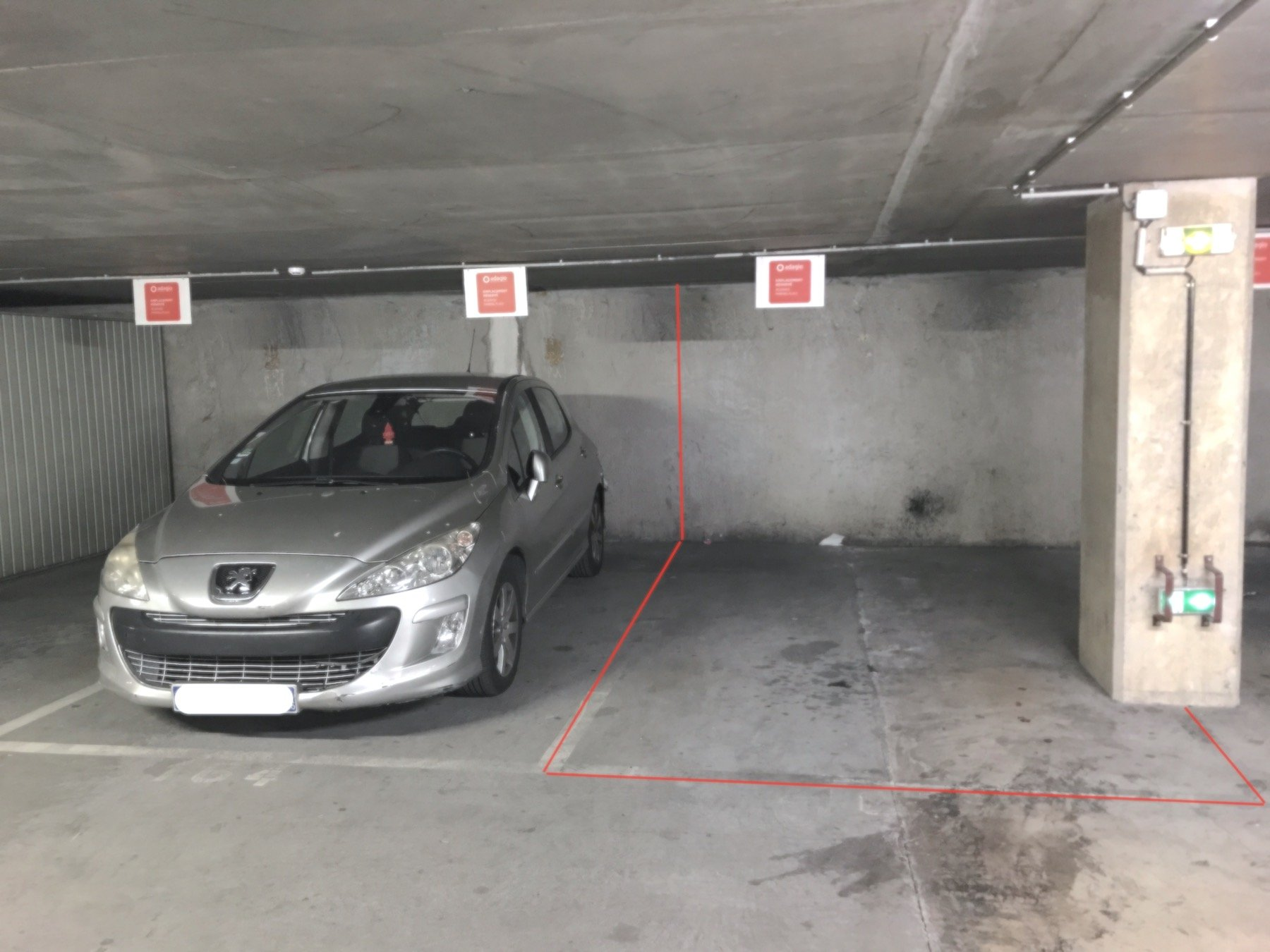 Parking. Nice Magnan-Californie