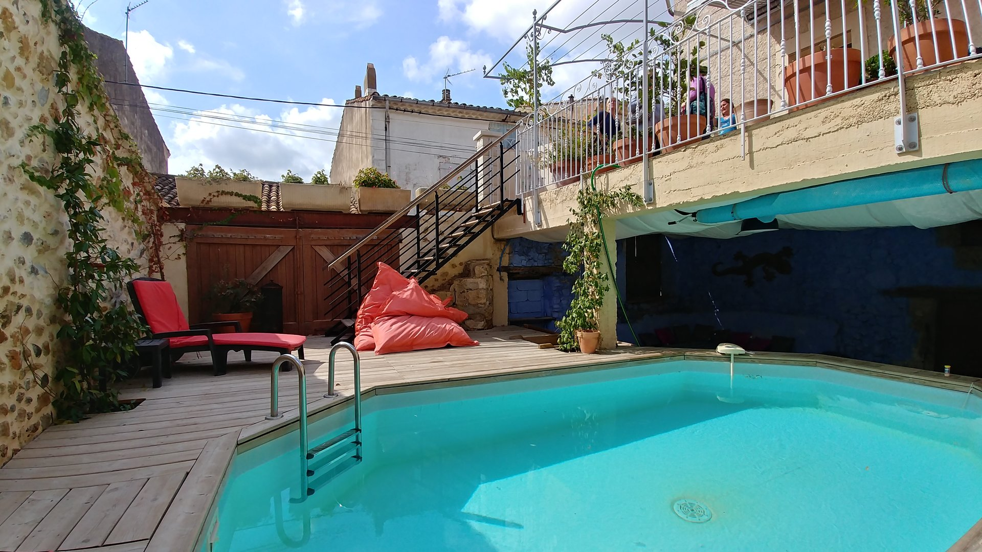 Winemakers house with terrace and courtyard pool. 3 bed, 2 bath, garage