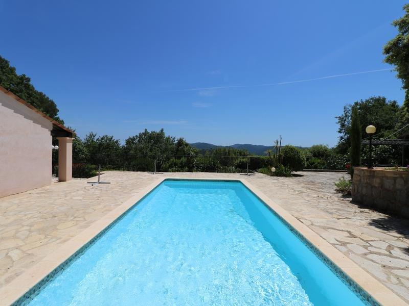 A vendre a Le Tignet - Villa 4 chambres piscine prestations luxe, garage, panoramique vues