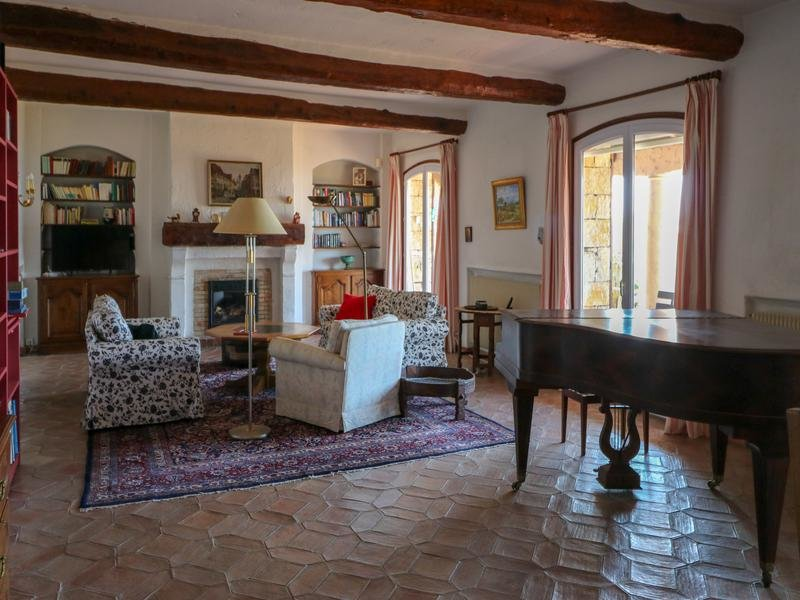 For Sale in Cabris - Fabulous 5 bedroom villa with views