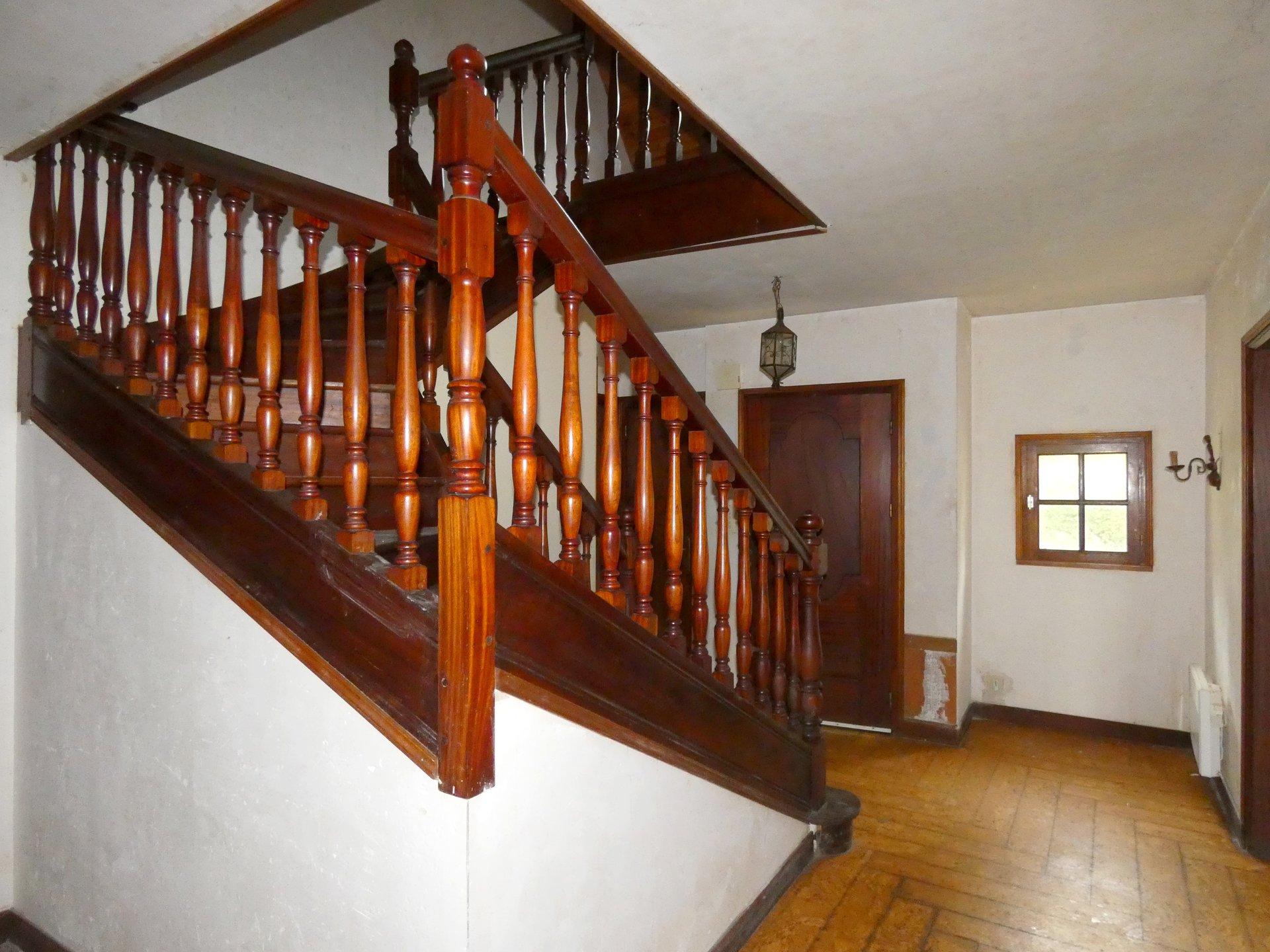 PLOUNEVEZEL, maison à rénover