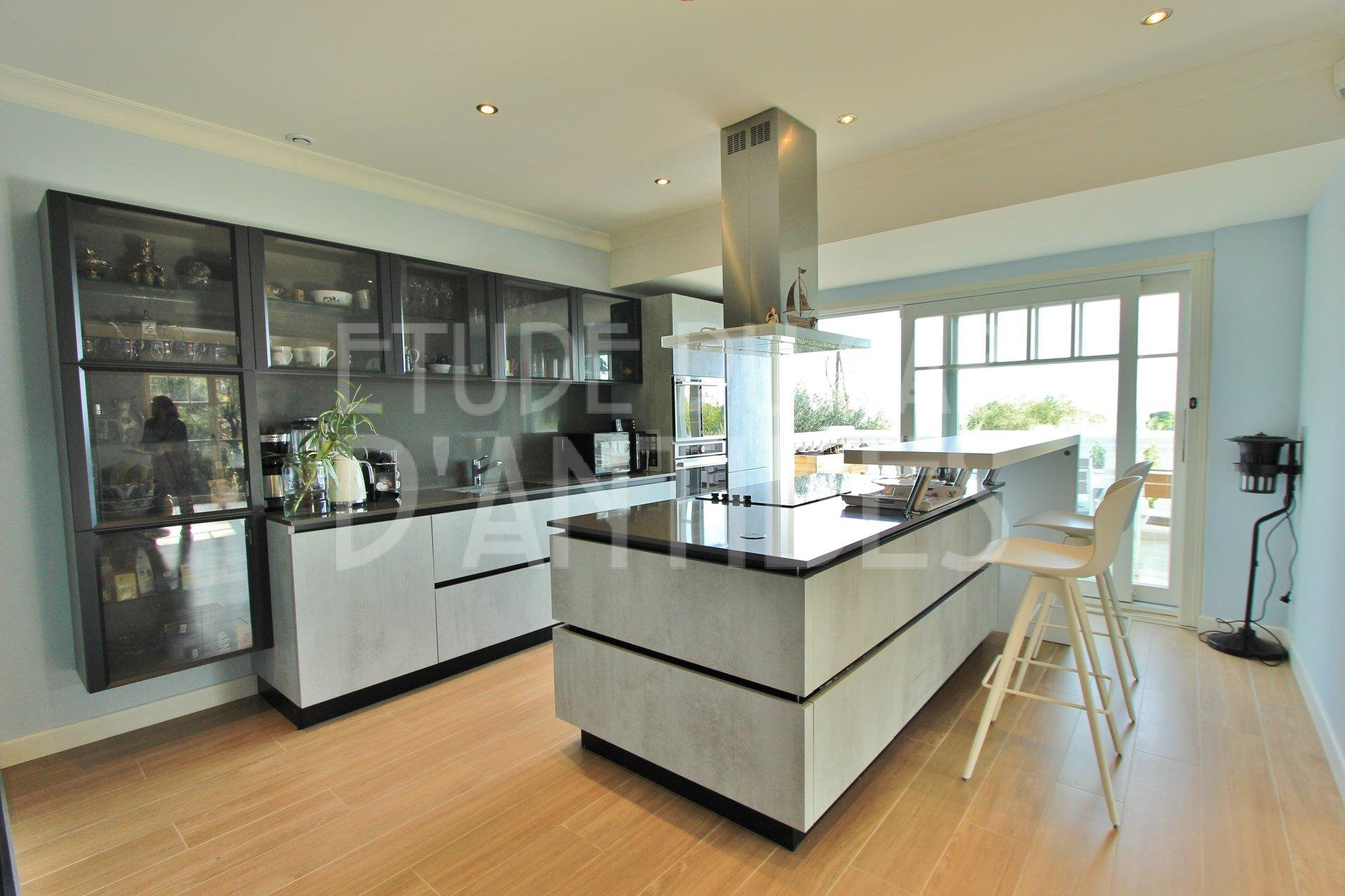 Kitchen island, kitchen bar, stainless steel