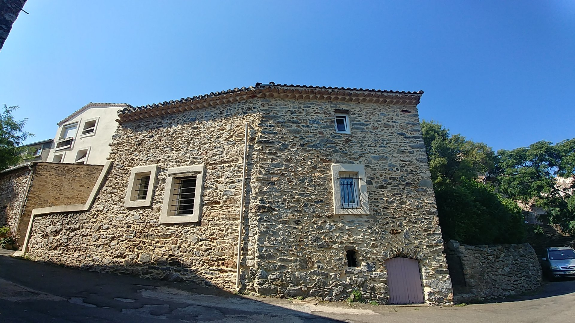 Supberbly renovated village house with views - garden, 2 terraces, garage, 3 bed 3 bath