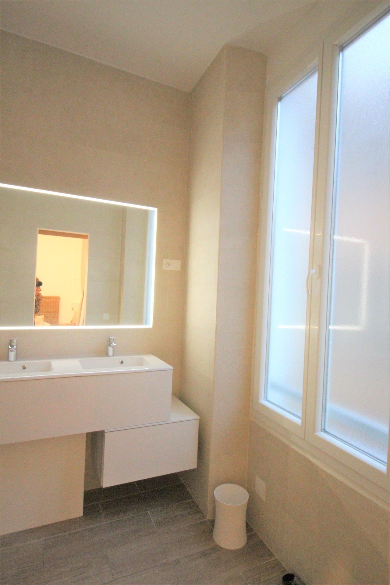 Bel appartement rénové face Vieux Port + Chambre de service