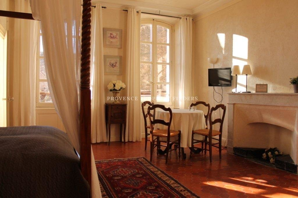 Sold     Chambre d'hotes in the village of Lorgues