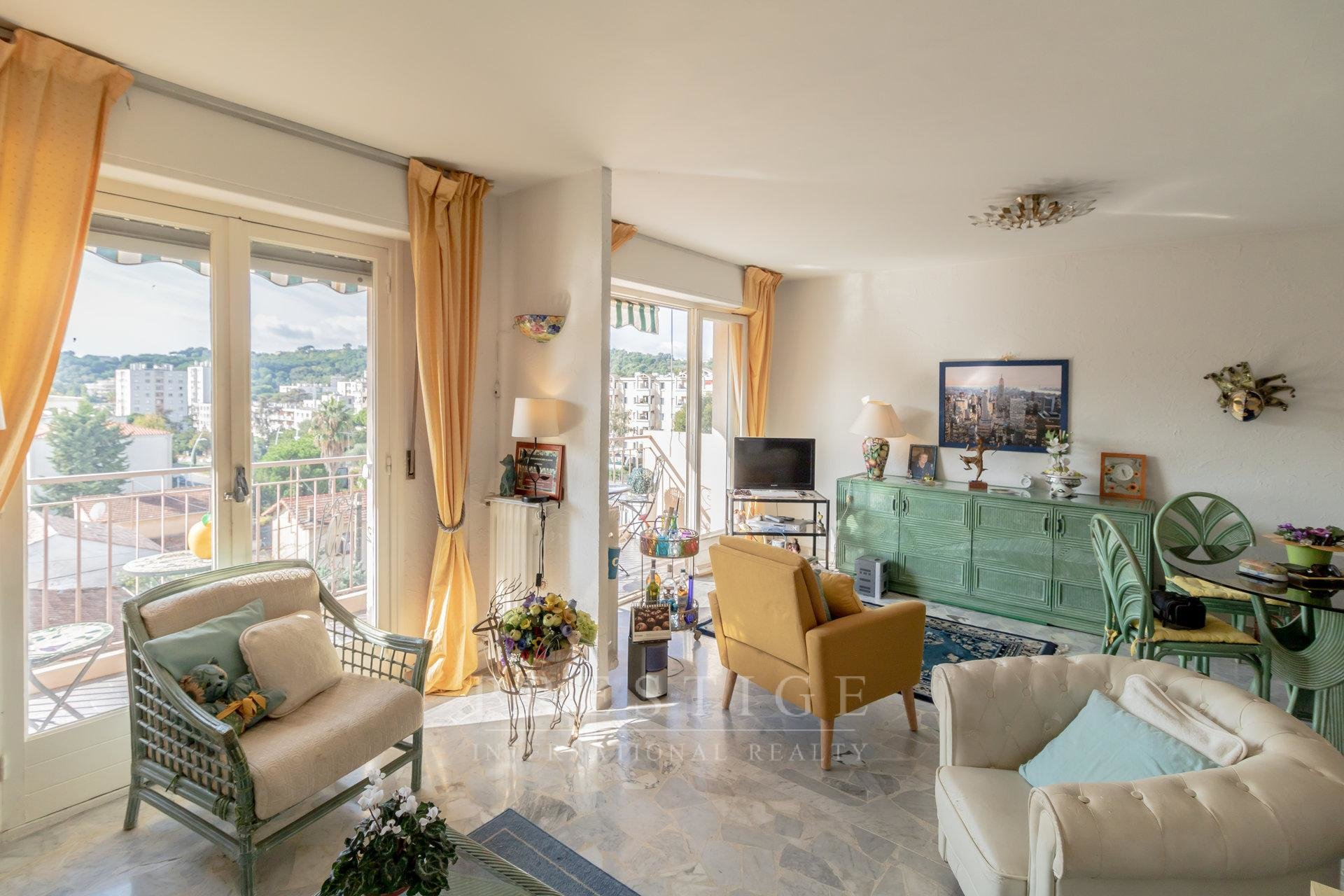 Cannes, 2 bedrooms, cellar & parking , OCCUPIED LIFE ANNUITY