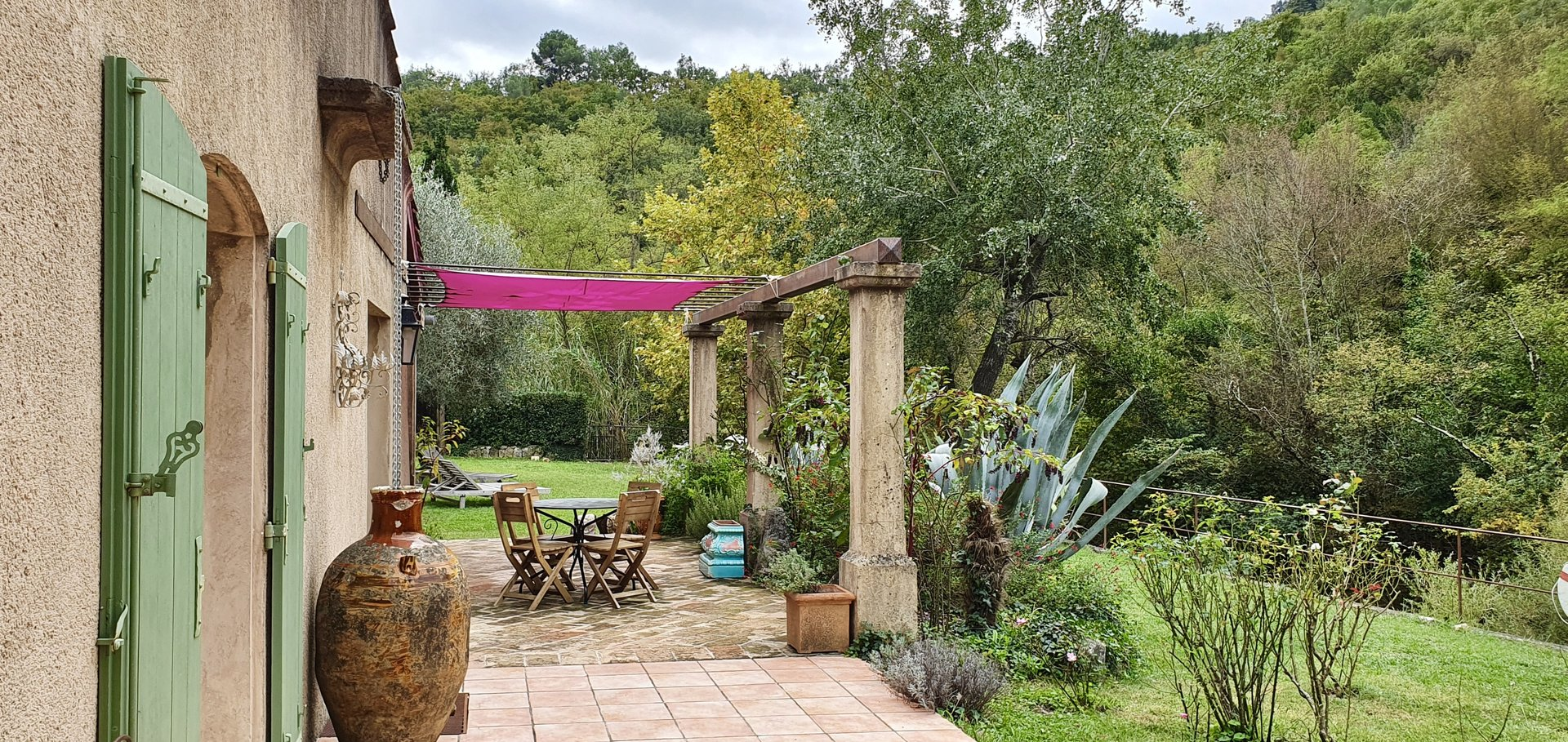 Most charming Provençale villa 30 minutes from Nice.