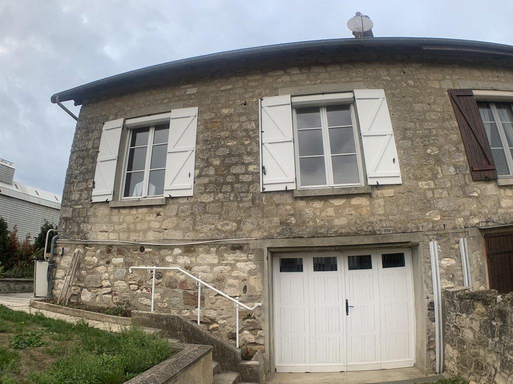 Maison rénovée en pierre de 95 m²