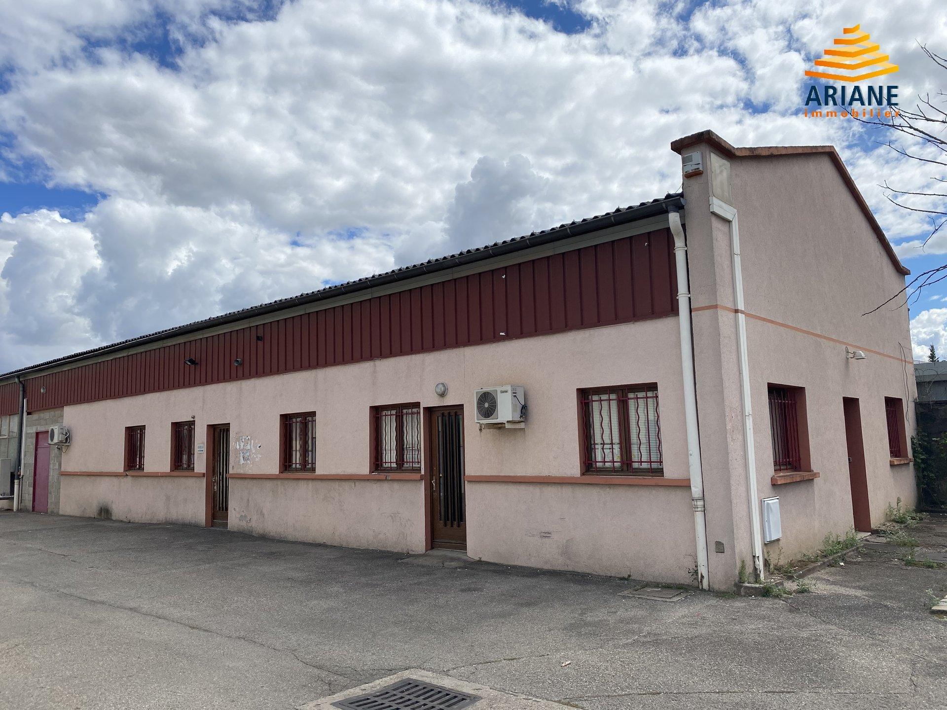 Local activité à vendre 303 m2 Vénissieux