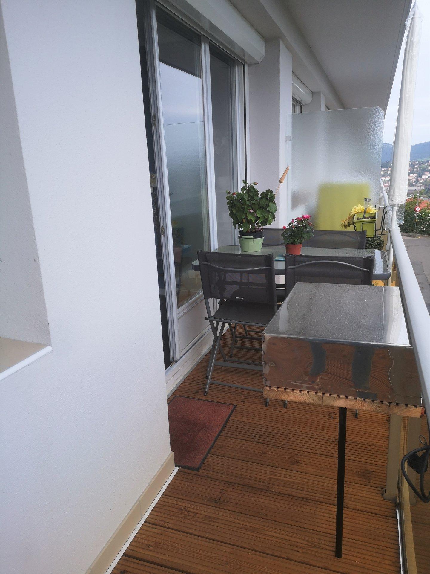 APPARTEMENT F3 63 m² et garage et balcon