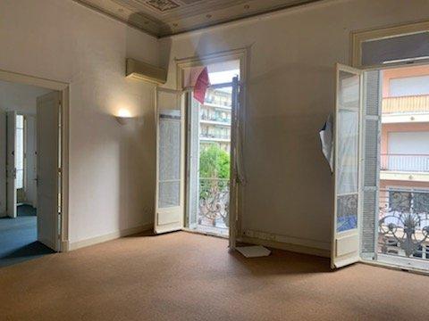 EXCLUSIVITE- BOURGEOIS à Rénover- T4 de 112m²- Traversant-Centre Menton-