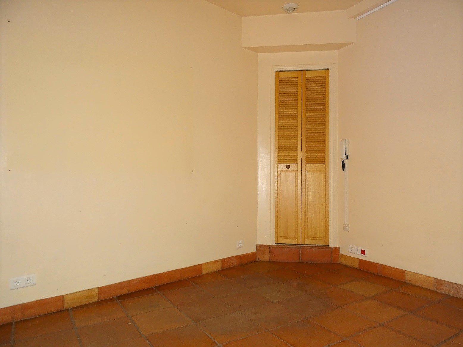 Carmes, Bureaux de 65 m².