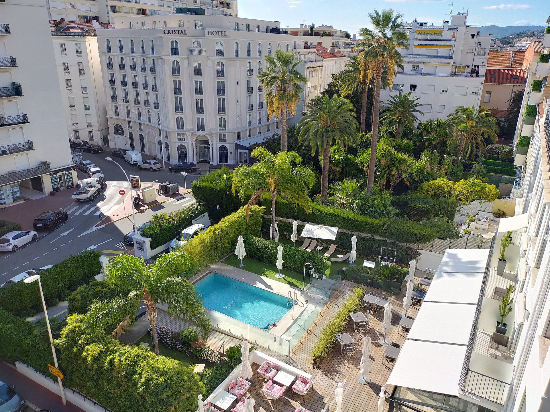 BANANE 3P 80M² + 25M² Ter. In the center of CANNES