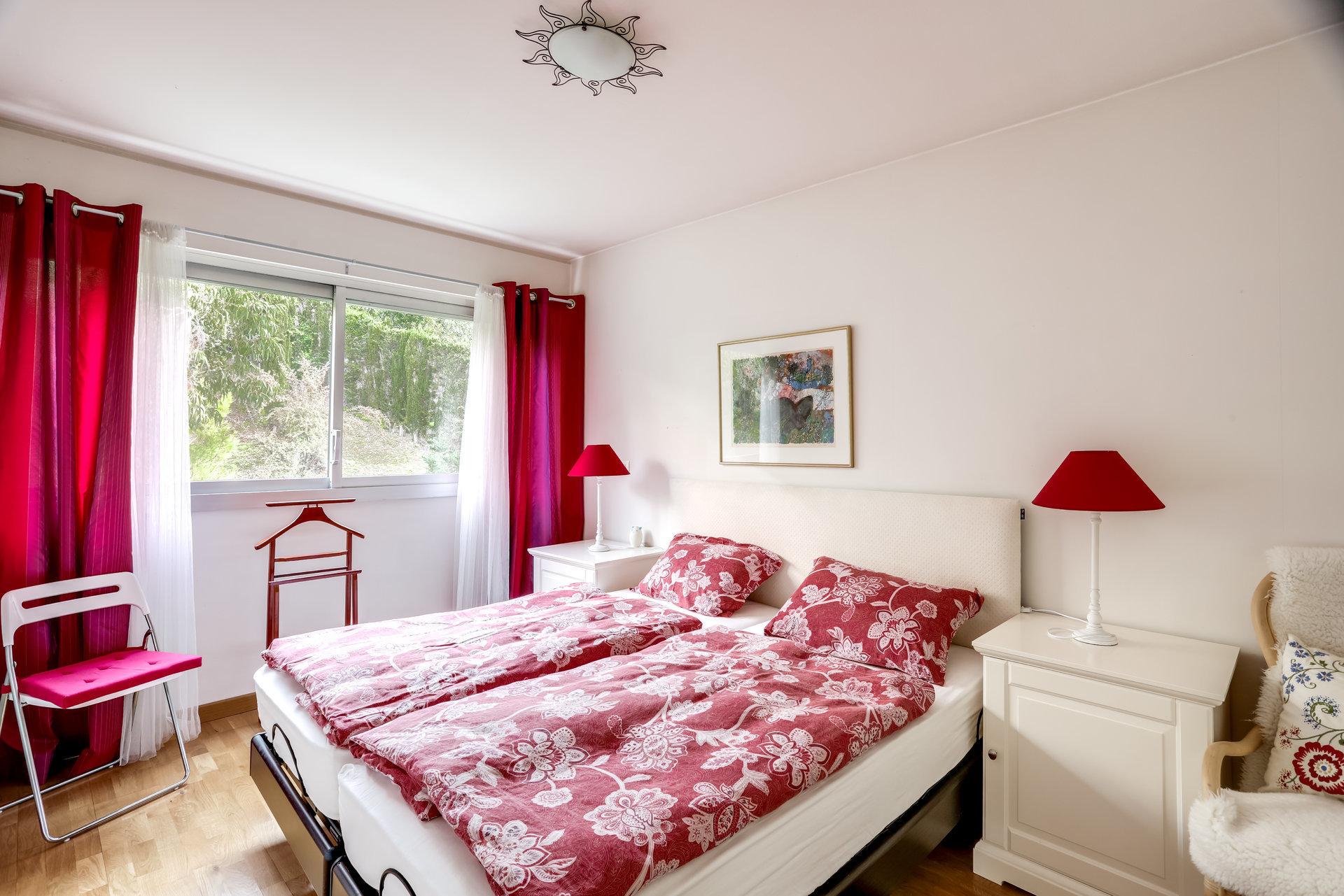 ANTIBES Badine - Grand appartement avec terrasse et vue mer