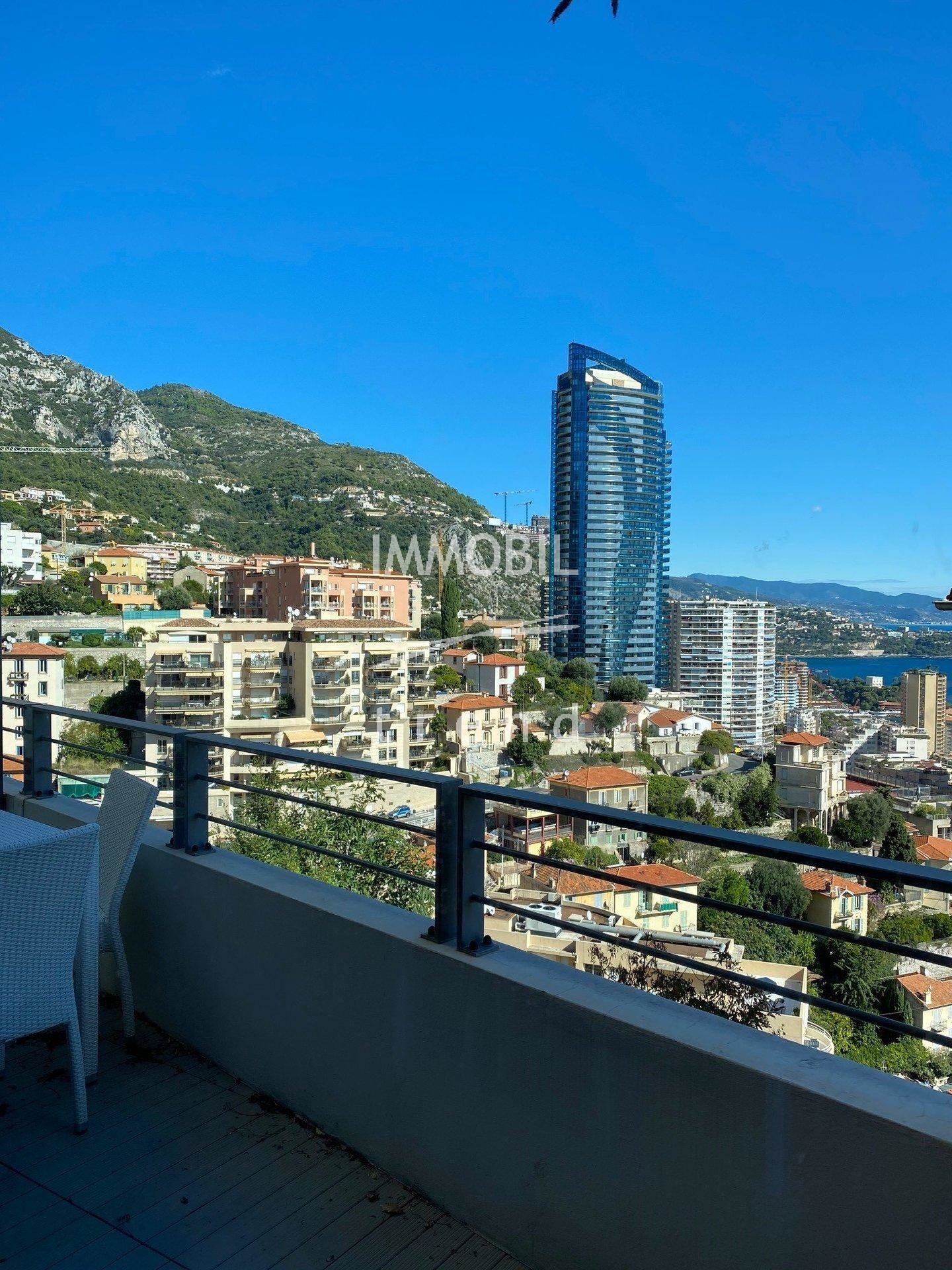 Real estate Beausoleil - For rental, close to Monaco, one bedroom apartment with terrace, sea view and parking space