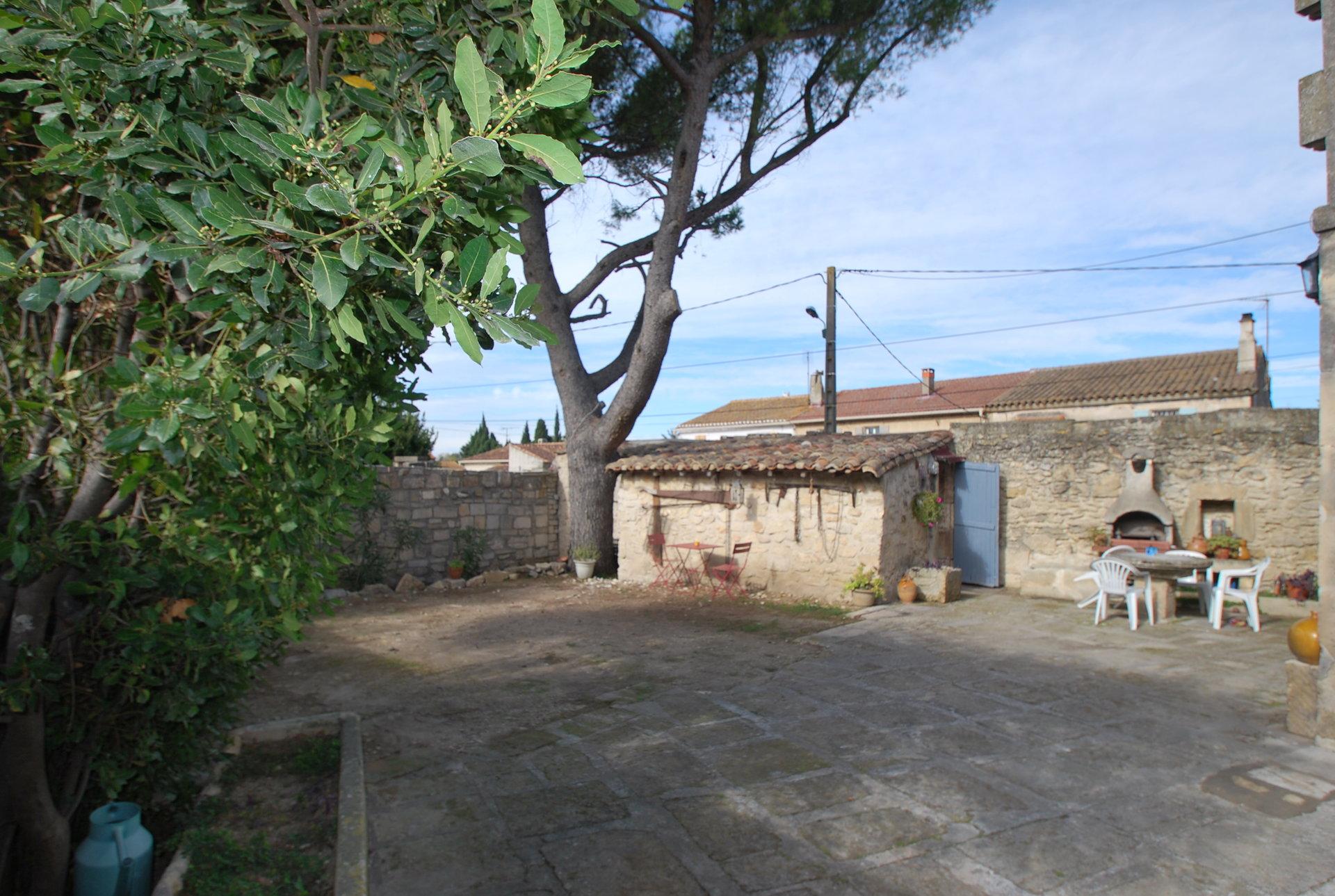 Mas dans le village de Fontvieille