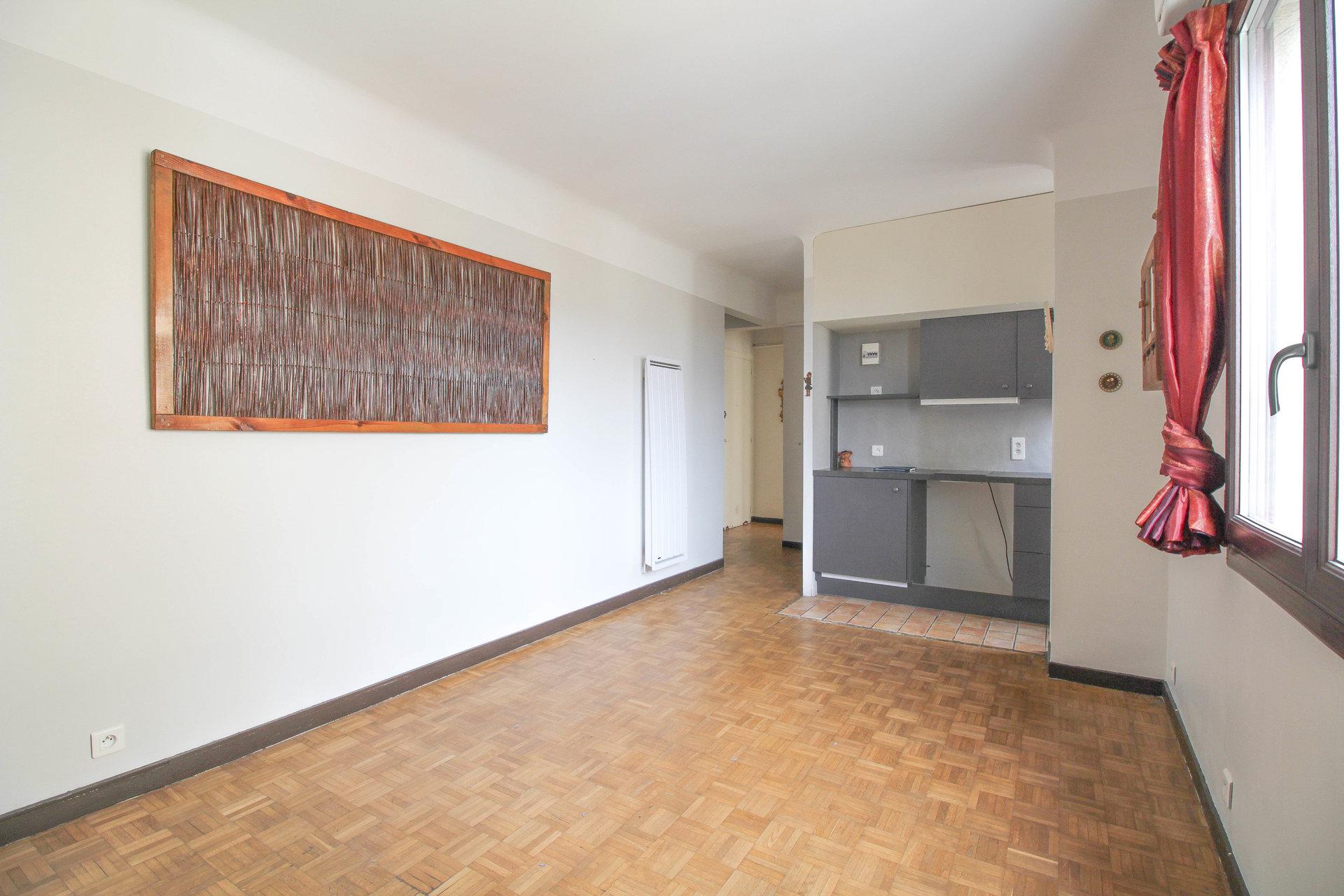 Sale Apartment - Le Cannet Carnot