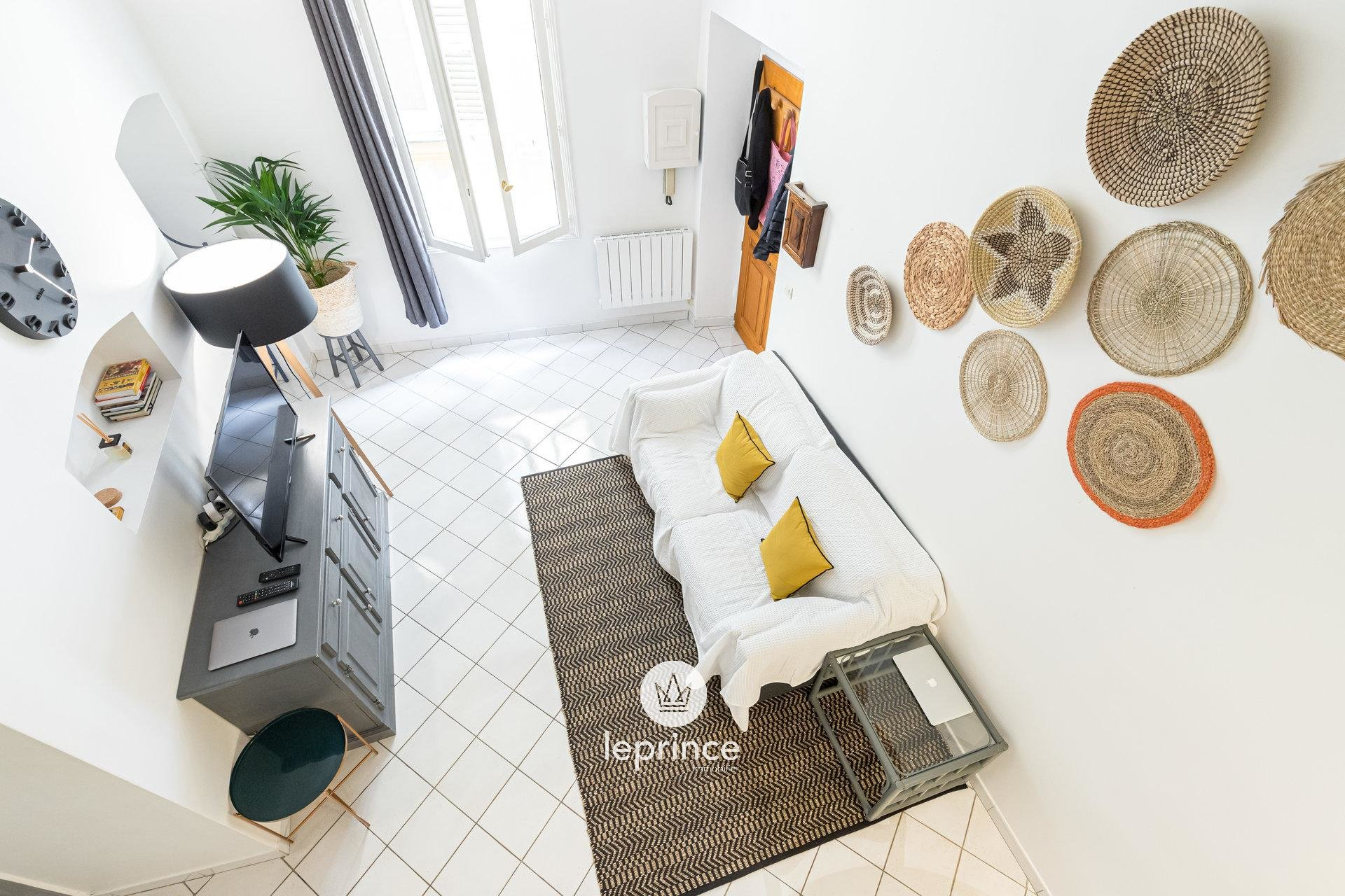 Nice / Vieux Nice  -  3 room apartment with Mezzanine in very good condition.
