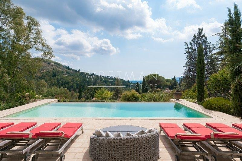 Charming stone villa with nice view towards hills and sea - Grasse