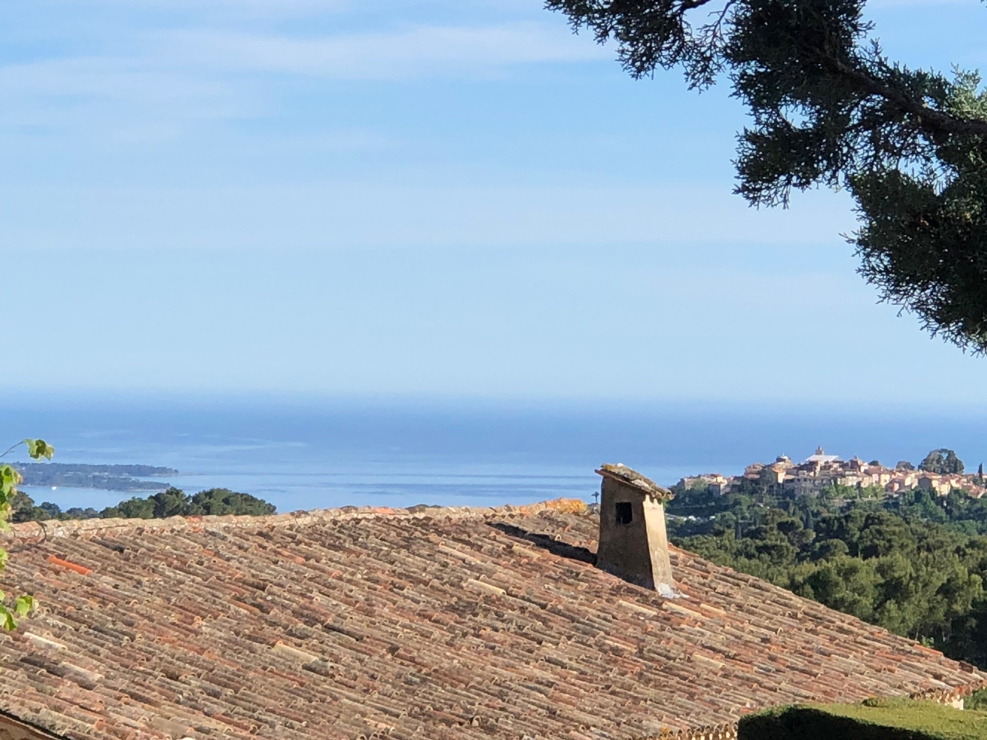 Large villa in a magnificent private domain - Castellaras