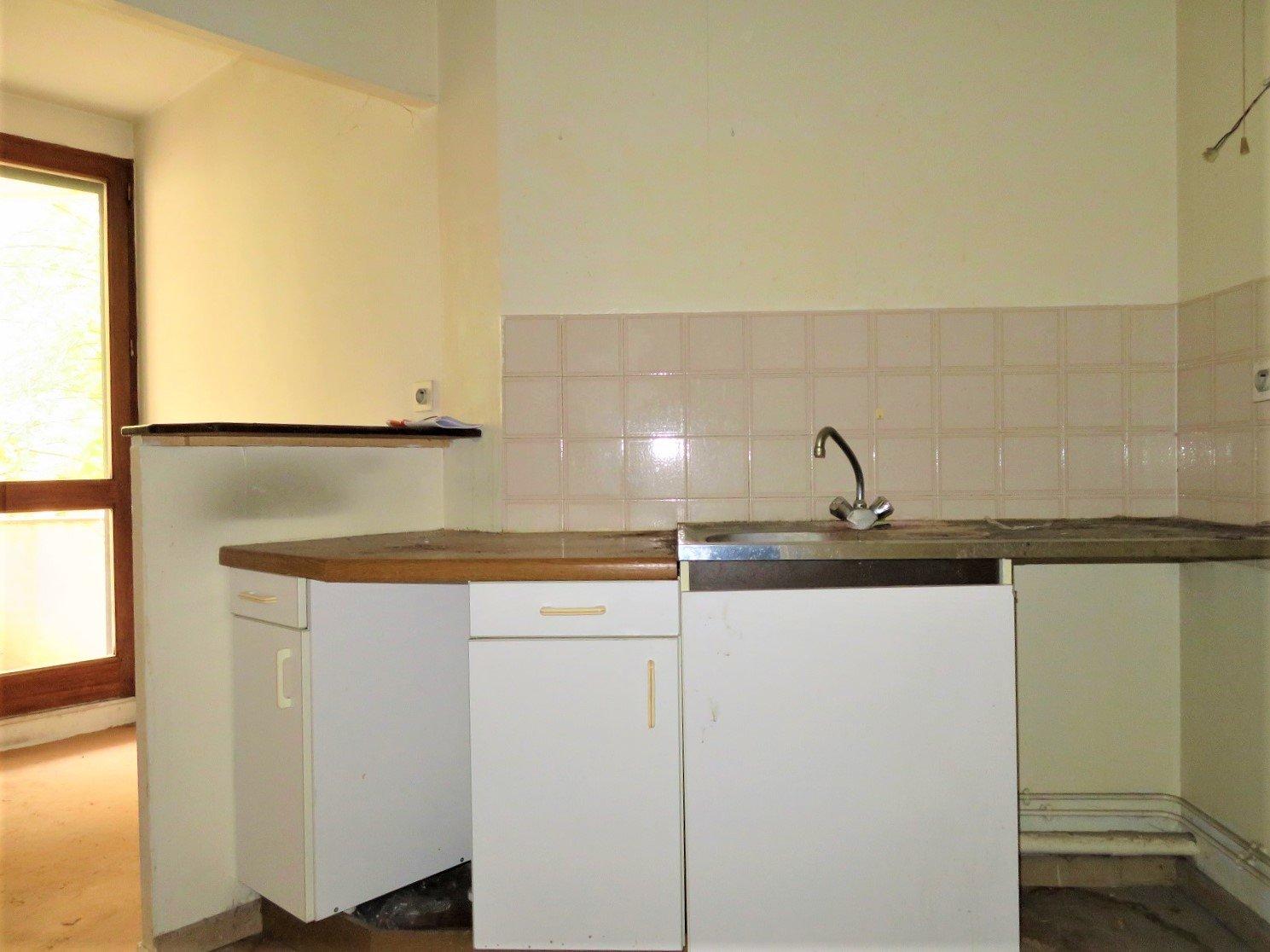 Busca, T2 de 53 m² à rénover