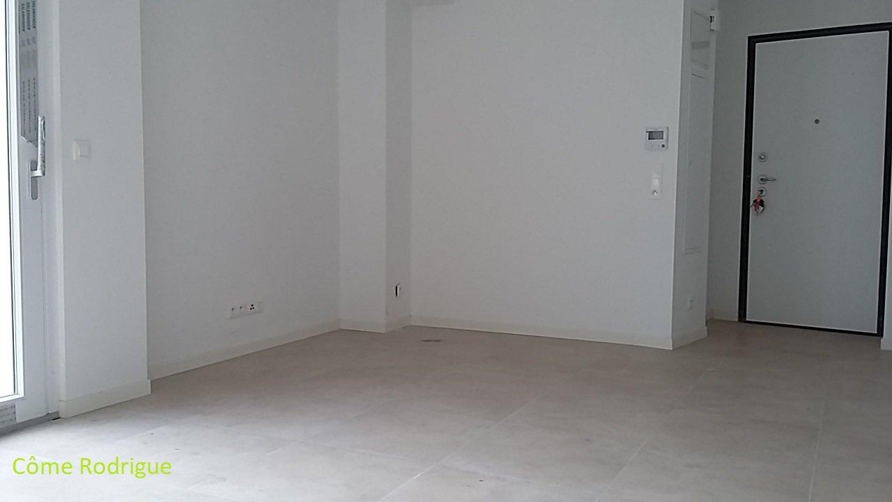 4 Pièces de 75 m² Terrasse et Balcon
