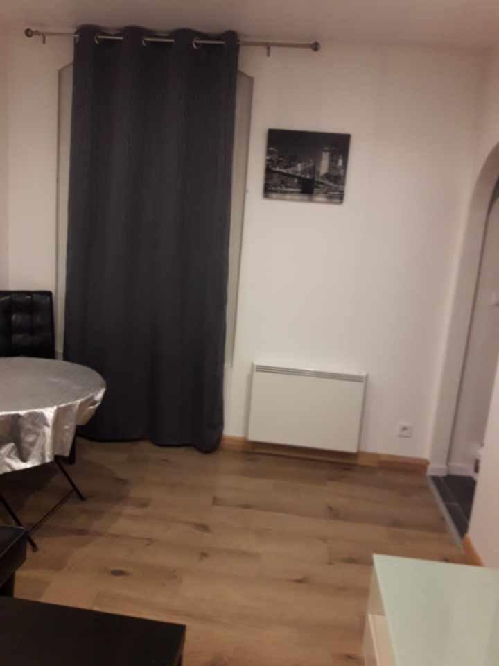 Un appartement meublé de type F2 avec cave à Creil