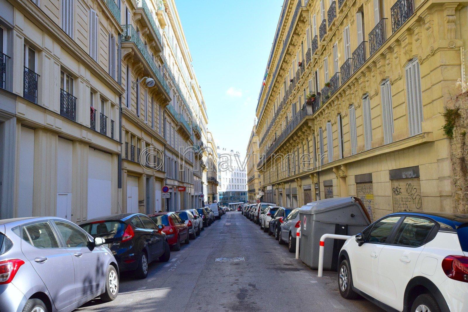 Sale Studio - Marseille 2ème Hôtel de Ville