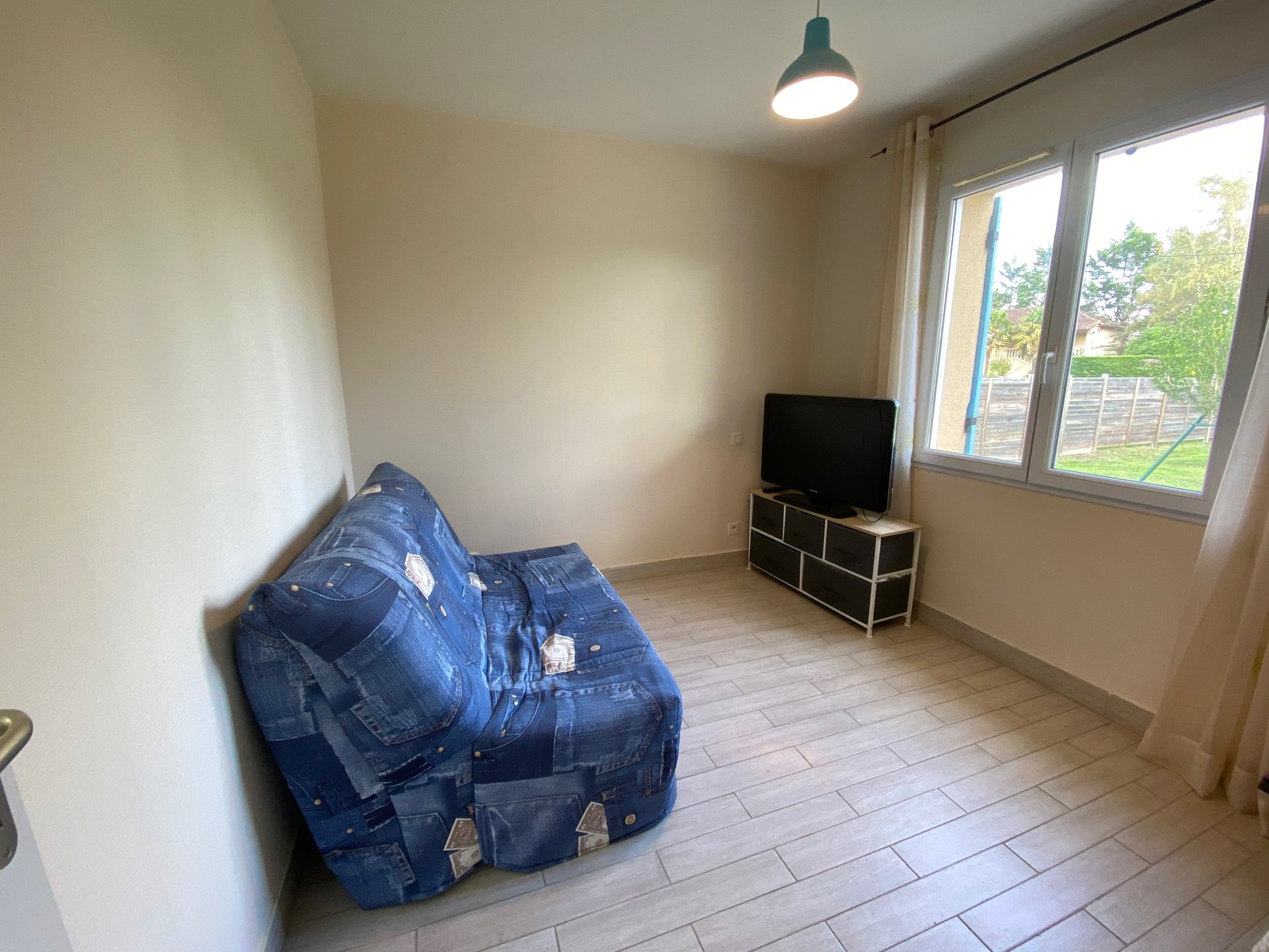 MAISON PLAIN PIED SUR 1449 m²